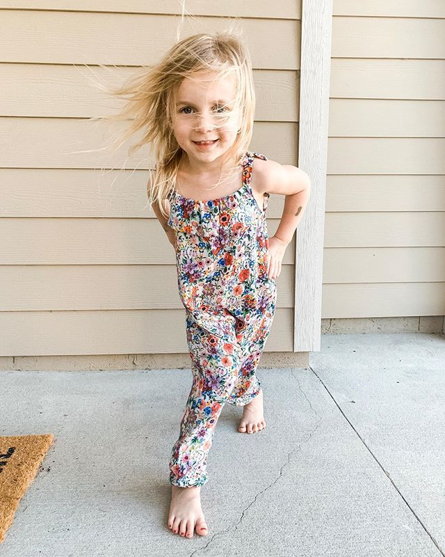 Man...how do I bottle up this confidence?!? My sweet and sassy girl. She's exhausting, but she's going to change the world. . . . . . #confidenceiscontagious #girlmom #bebravebeyou #empowereachother #chasethosedreams #girlstopapologizing #befierce #proudgirlmom #sheteachesme #soarhigh #girlpower #runwildmychild #momswithcameras #cameramama #kidsofig  #wildandbravelittles
