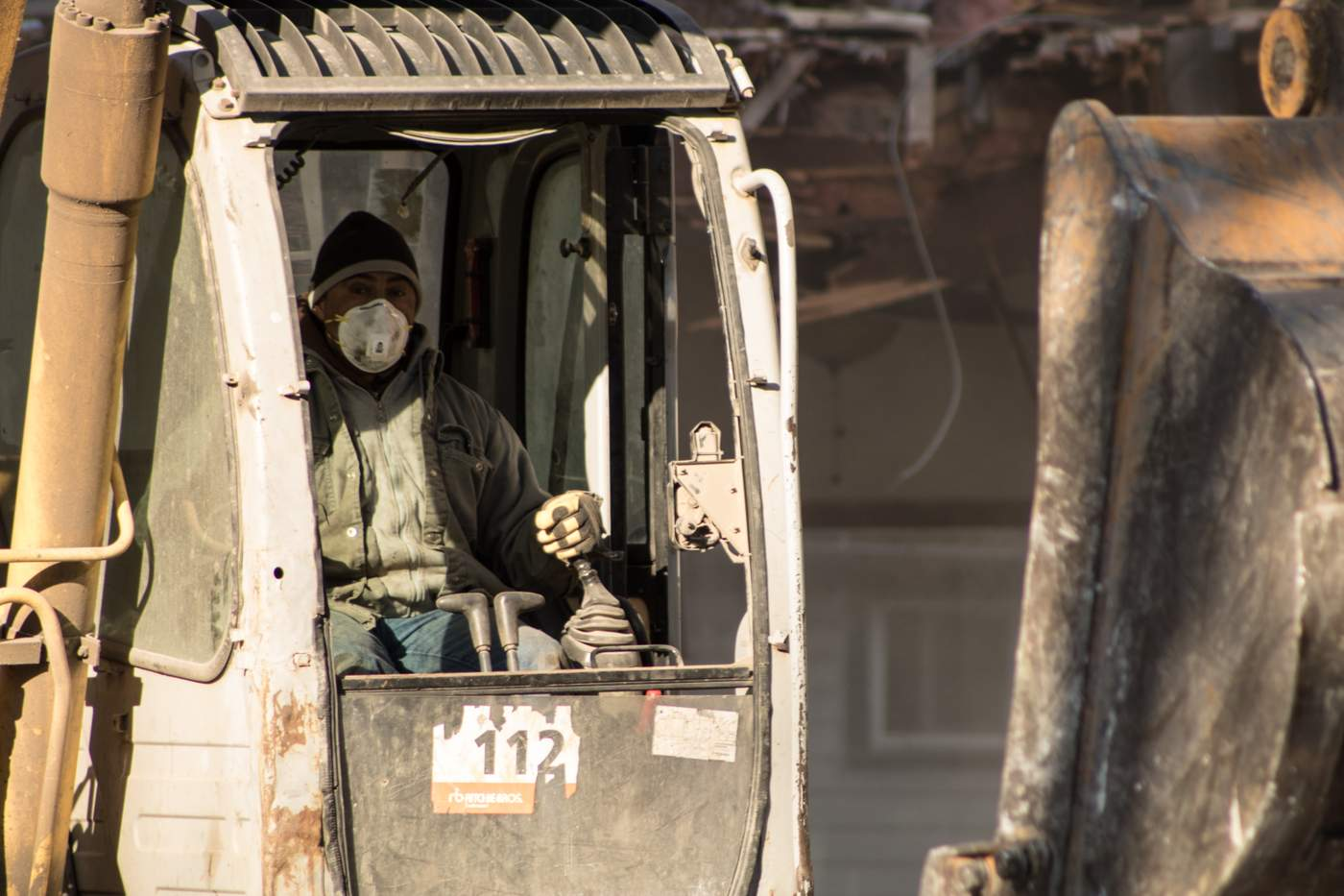 Workers are often those who suffer most from contaminant-related diseases because of weak regulation and enforcement, according to a 2015 investigation from the nonprofit Center for Public Integrity (Photo: Manny Ramos).