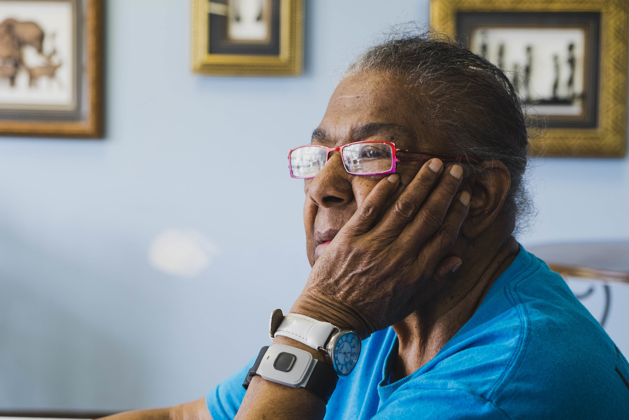"""Della Freeman, 91, lives alone in a senior building in Auburn Gresham. """"I always like to do things for myself,"""" said Freeman, who declined when she was offered a free homemaker to help her with chores. """"I do all of my cleaning, cooking, and going around like that for myself…That's exercise for me,"""" said Freeman. She wears a device that she can press whenever she has an emergency. It sends an alert to staff in the building."""