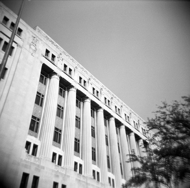 Cook County Courthouse at 26th and California (Photo: Comtesse DeSpair/Flickr)