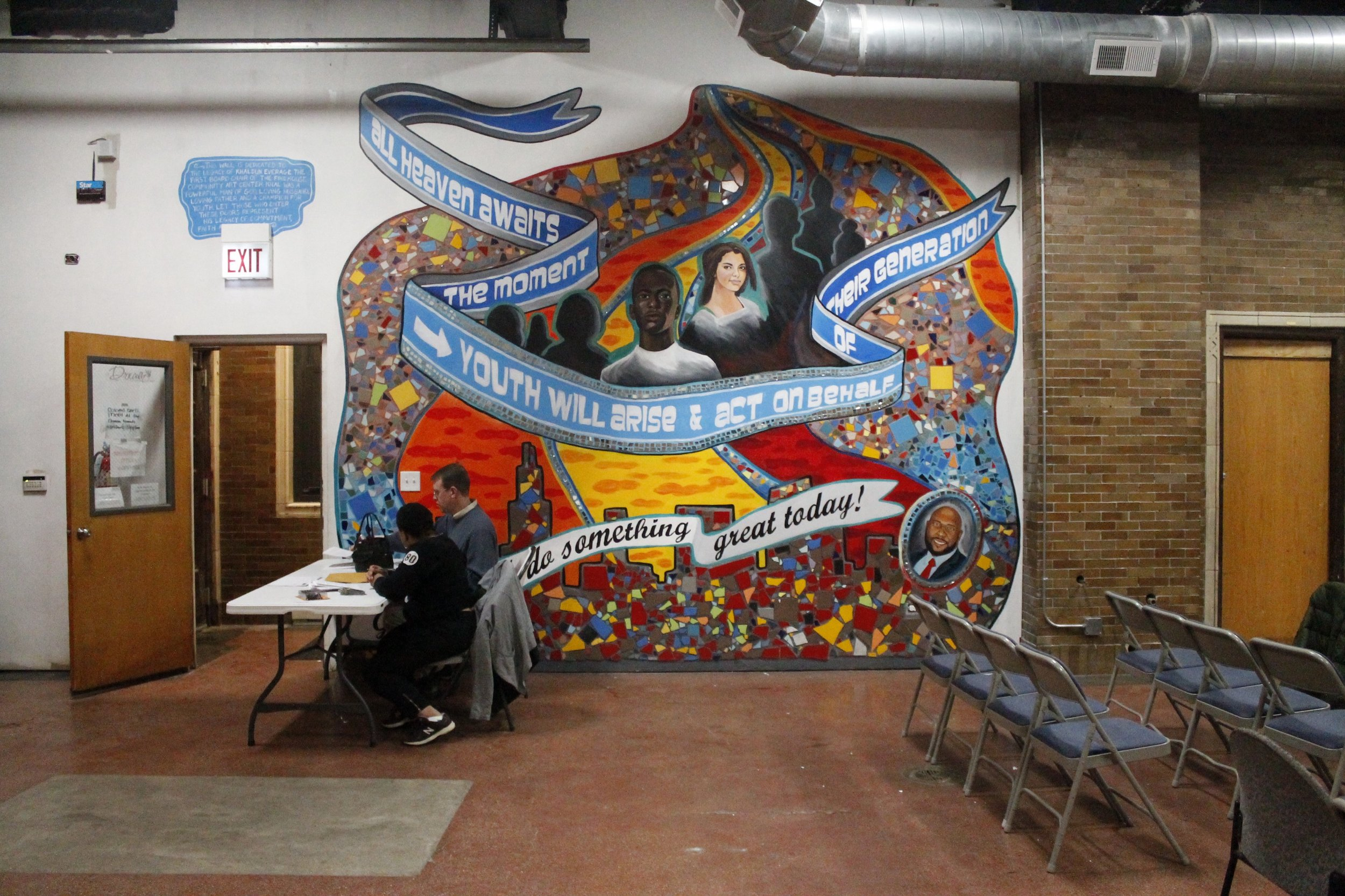 Facilitators wait for the arriving crowd at the Firehouse Community Arts Center in Chicago's North Lawndale neighborhood, the site of City Bureau's second Town Hall forum in November 2015.