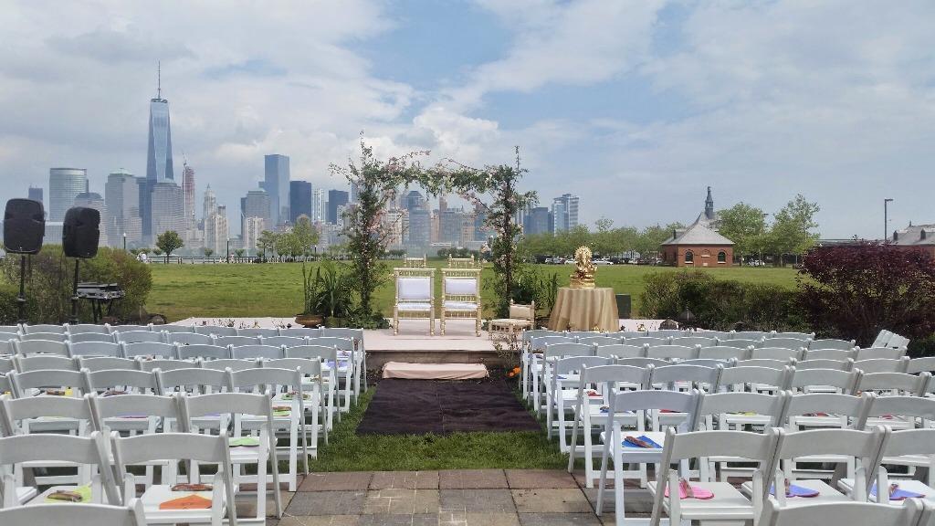 Liberty House - NY Skyline Backdrop