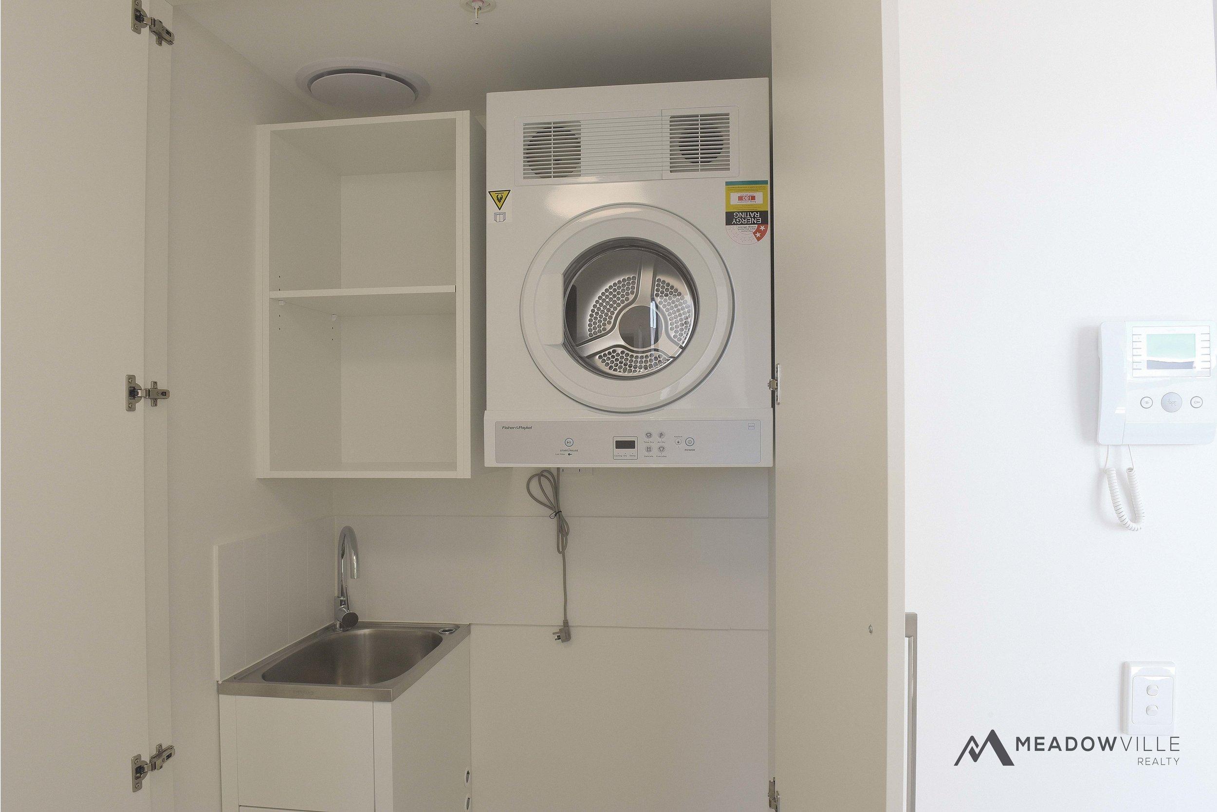 zest04_laundry.jpg