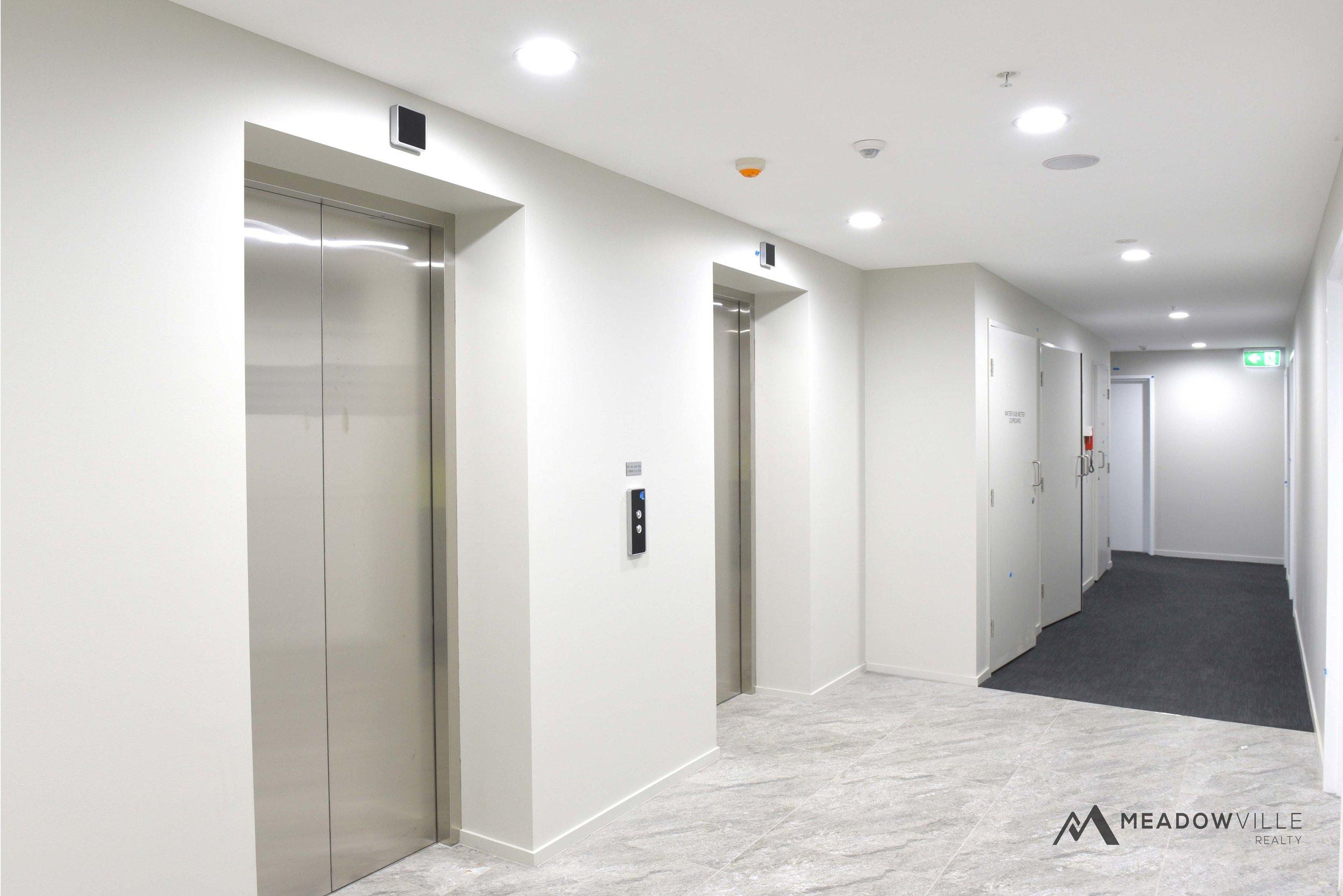 zest05_hallway.jpg