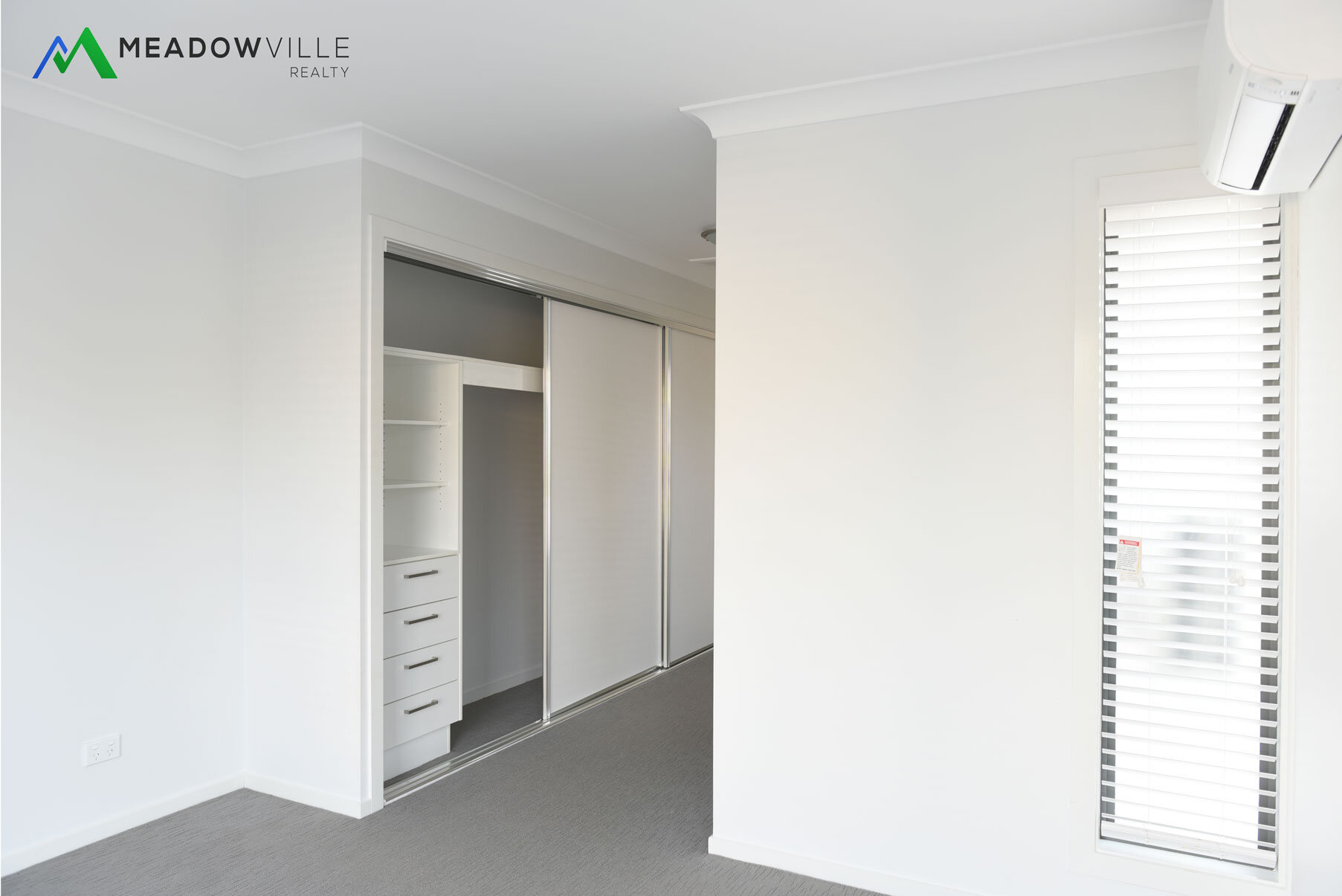 room1_a.jpg
