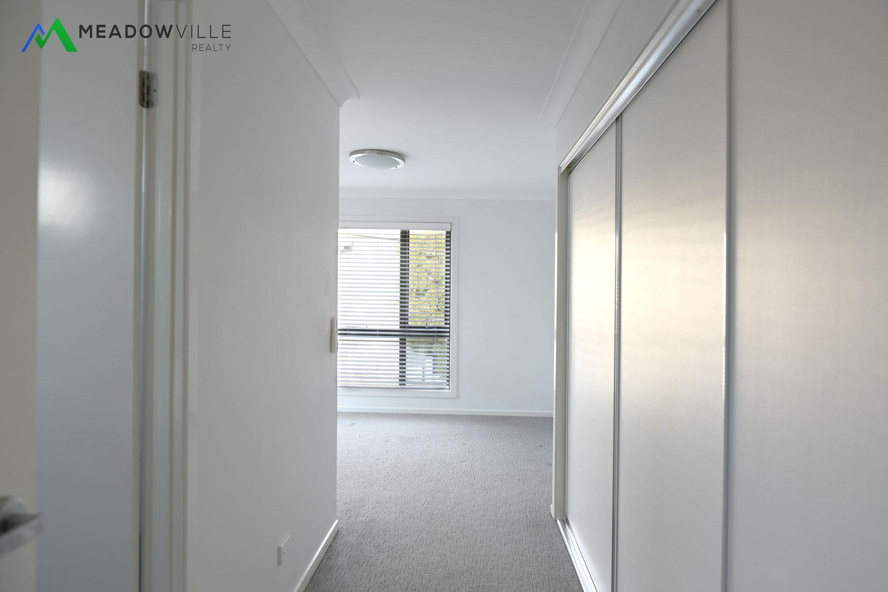 room1_b.jpg