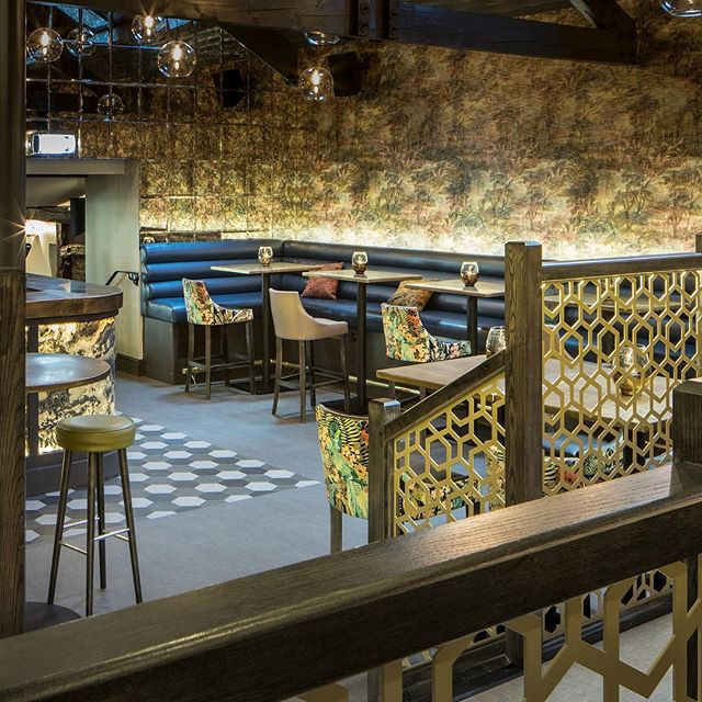 We continue to have such amazing feedback on the refurbishment @thefarmersulverston if you haven't paid a visit yet, make sure you go & check it out! The new space offers customers a whole new experience while respecting the warm and inviting atmosphere that The Farmers has always been known for 💙 #commercialinteriors #interiordesign #bardesign #restaurantdesign