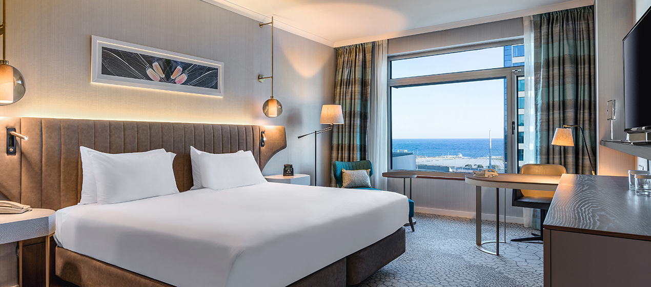 KING STANDARD GUEST ROOM WITH SEA VIEW