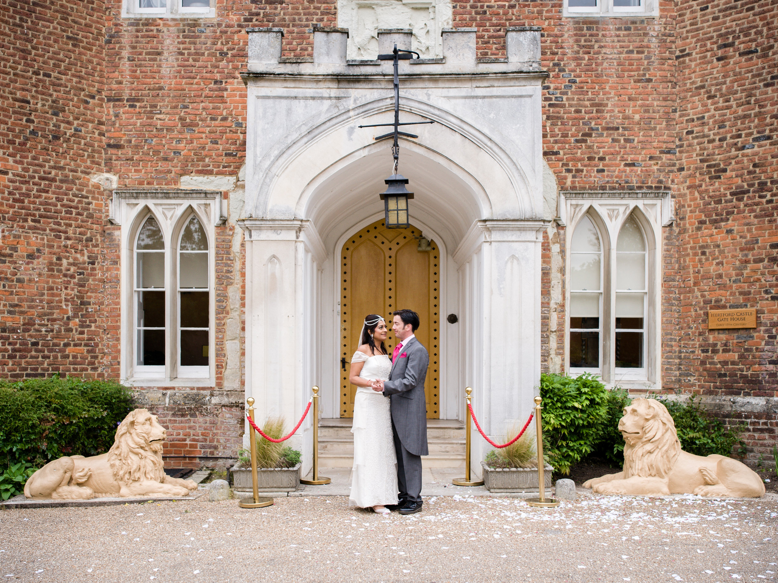 Hertfordshire St Albans Wedding Photographer - Hertford Castle, and Aldwickbury