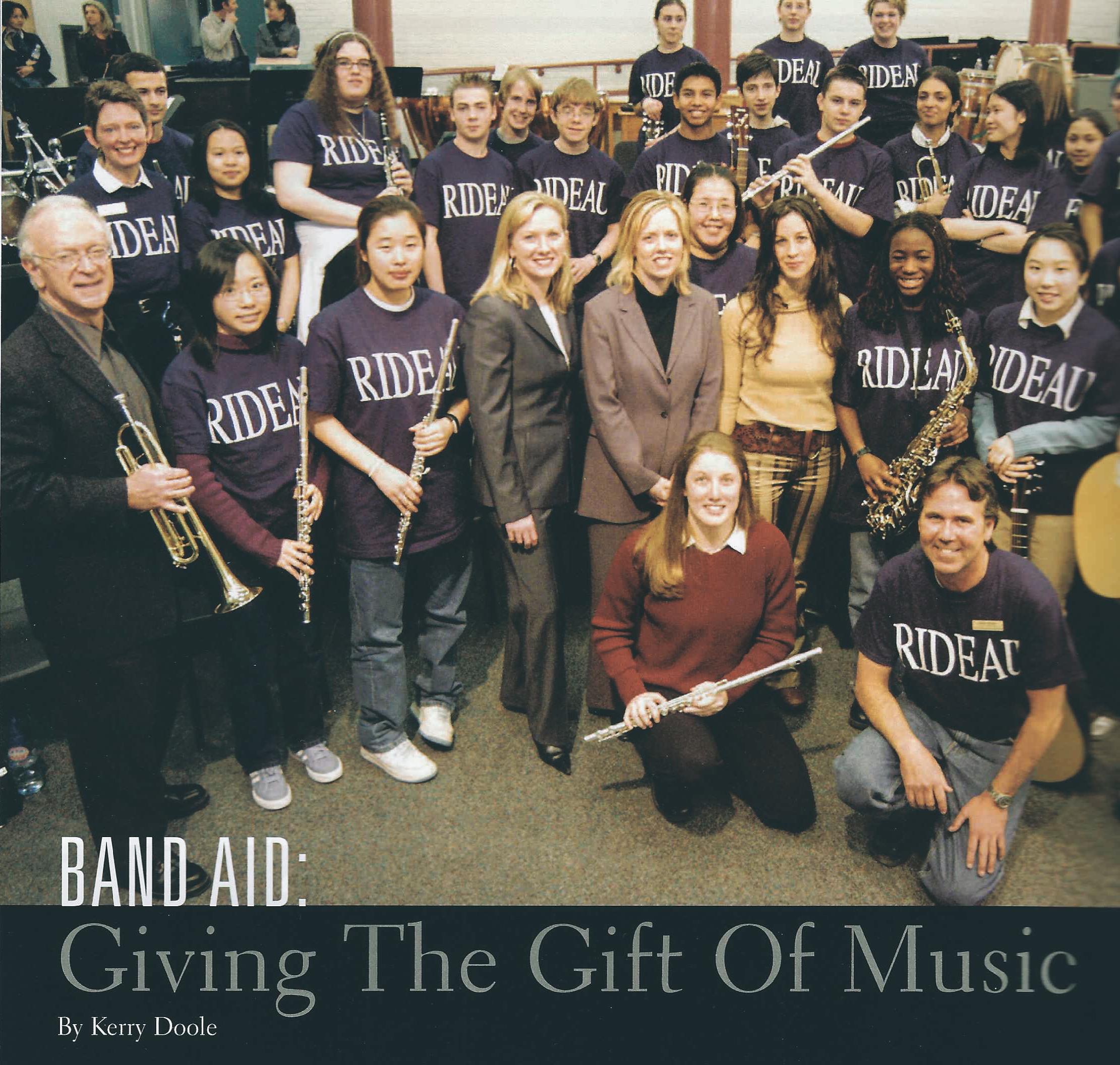 Alanis Morissette Band Aid presentation, Ottawa Junos 2003