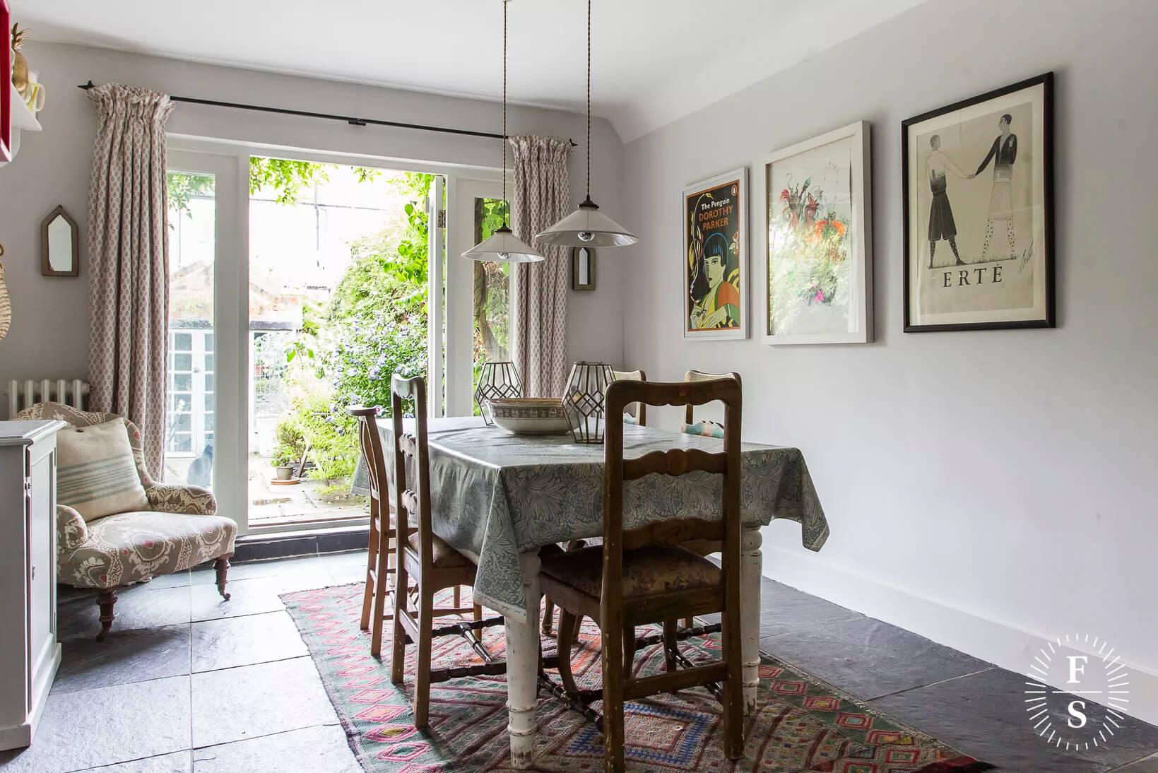 Timothy-Cobbold-Painters-Decorators