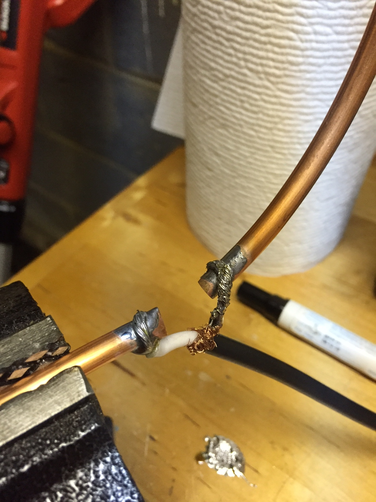 Coupling loop with RG58 conductor and shield soldered.