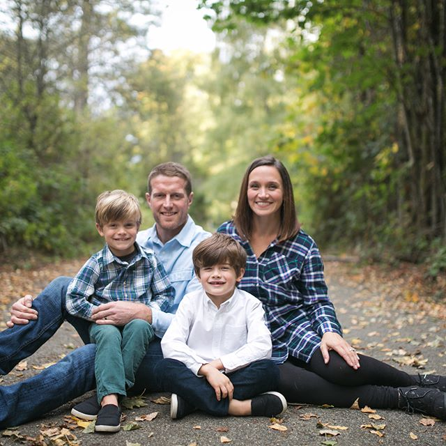 Prepping tonight for mini sessions tomorrow! If you're not booked and want to be, there are still a couple of spots available on Oct. 21. Link in profile for more info! . . . . . #kelseymoll #seattlefamilyphotographer #familyphotography #minisession #familyphotos