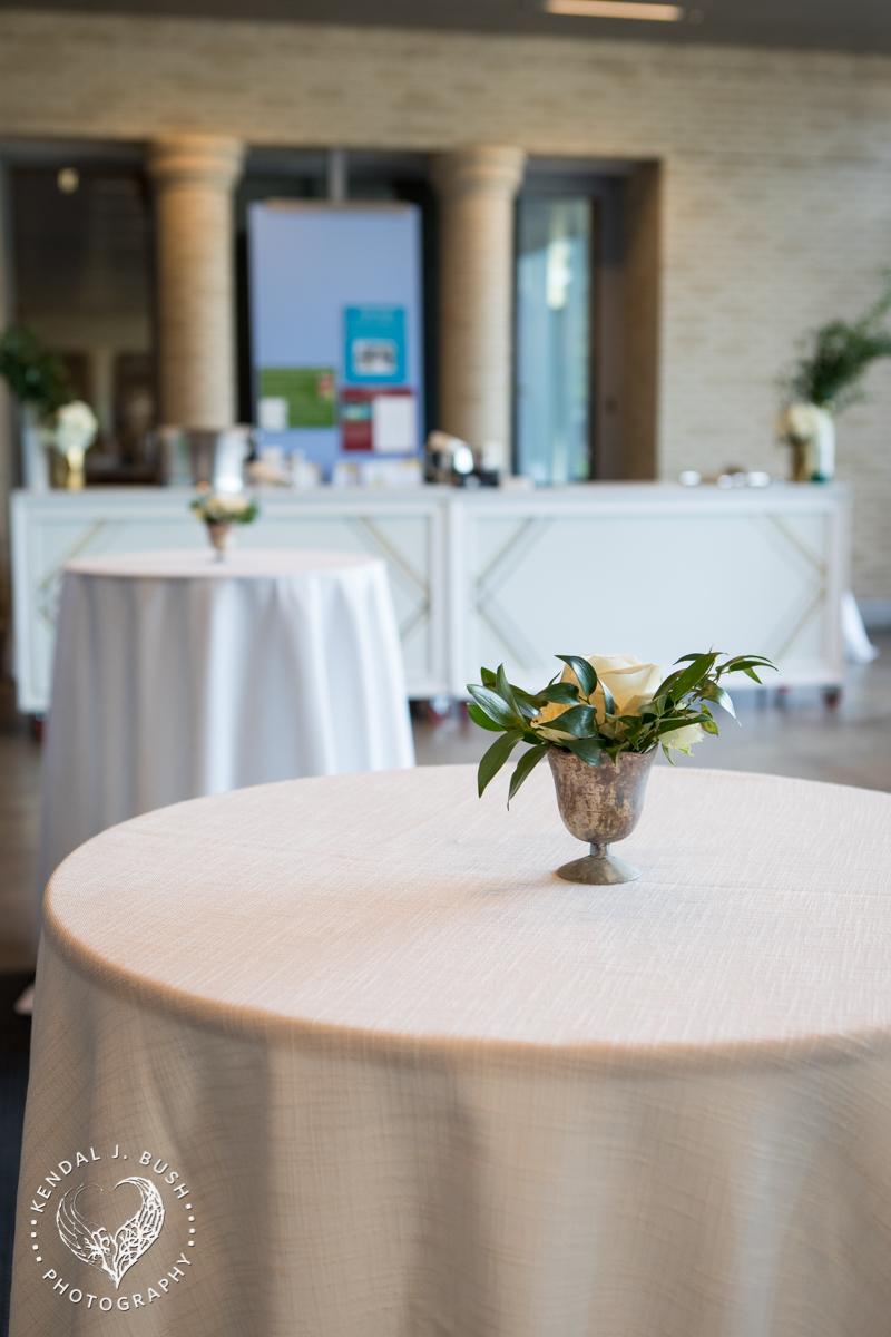 Malloy_Events_Currier_Museum_Gala_KendalJBush_arrangement_floral
