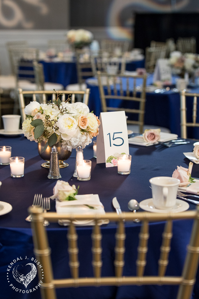 Malloy_Events_CAC_Gala_KendalJBush_NH_centerpiece_table_decor_floral