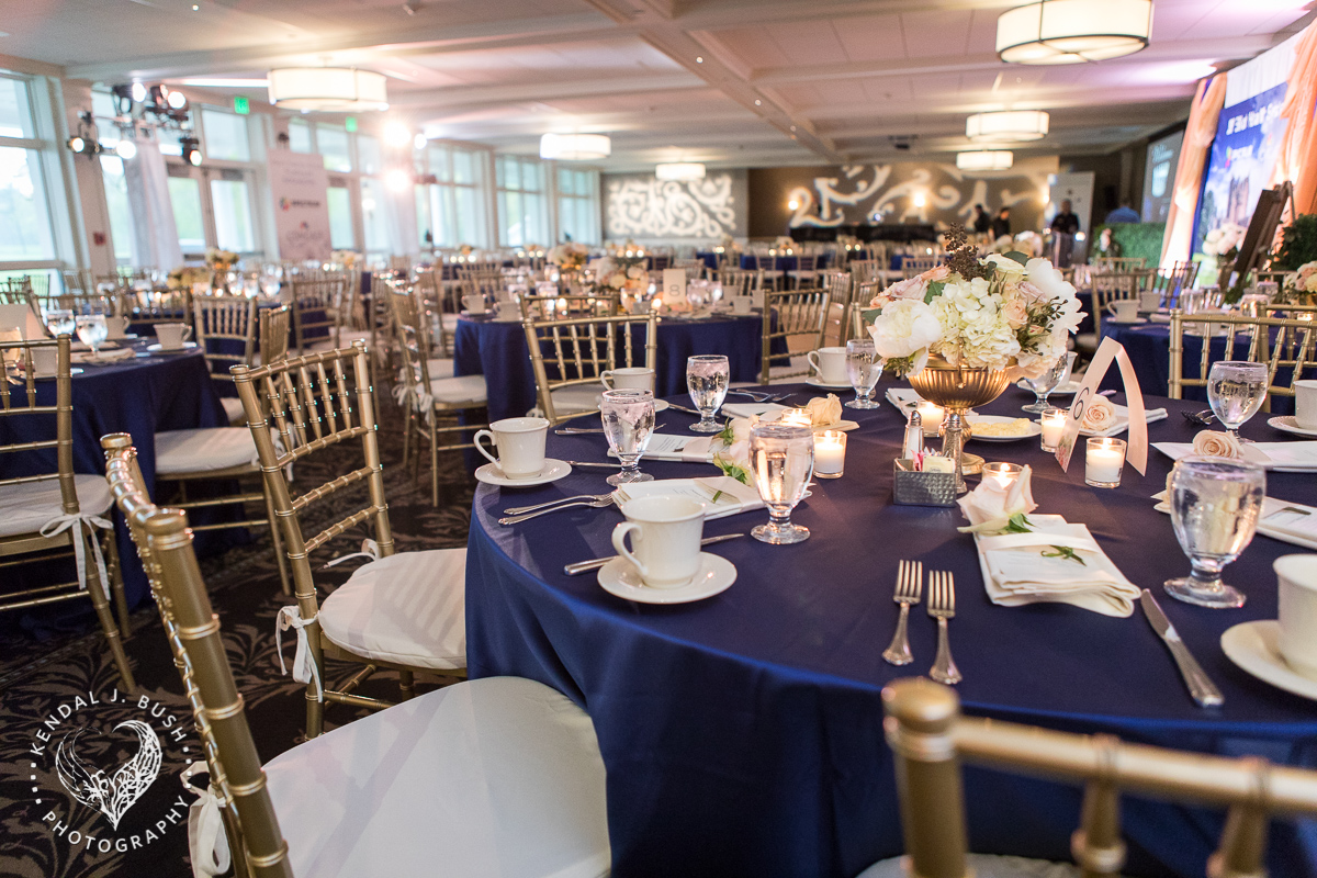 Malloy_Events_CAC_Gala_KendalJBush_NH_table_center_piece_floral_arrangement_table_decor