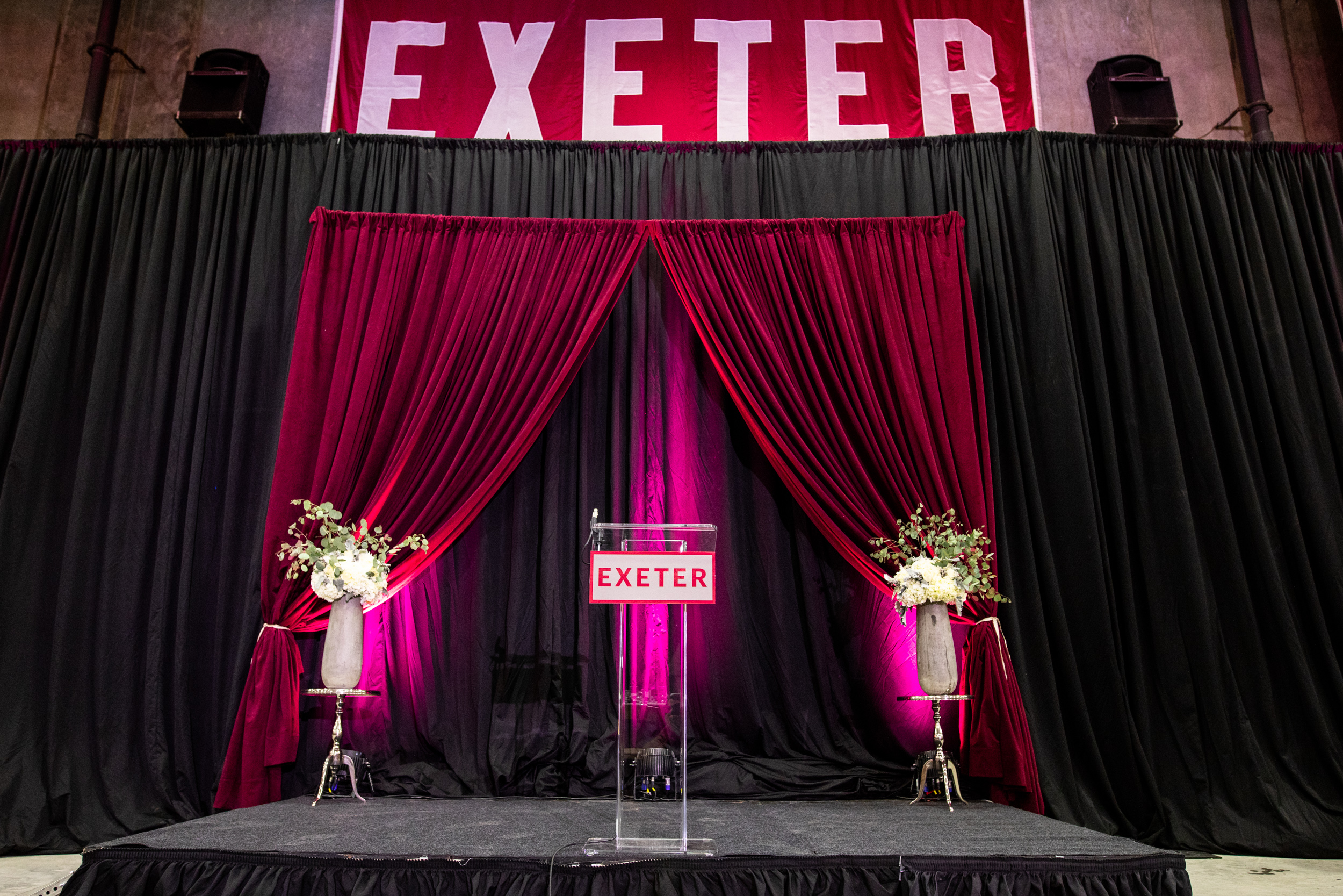 Corporate_Production_Phillips_Exeter_Academy_Pizzuti_Awards_Dinner_stage_design_lighting_front_of_house_floral_arrangement