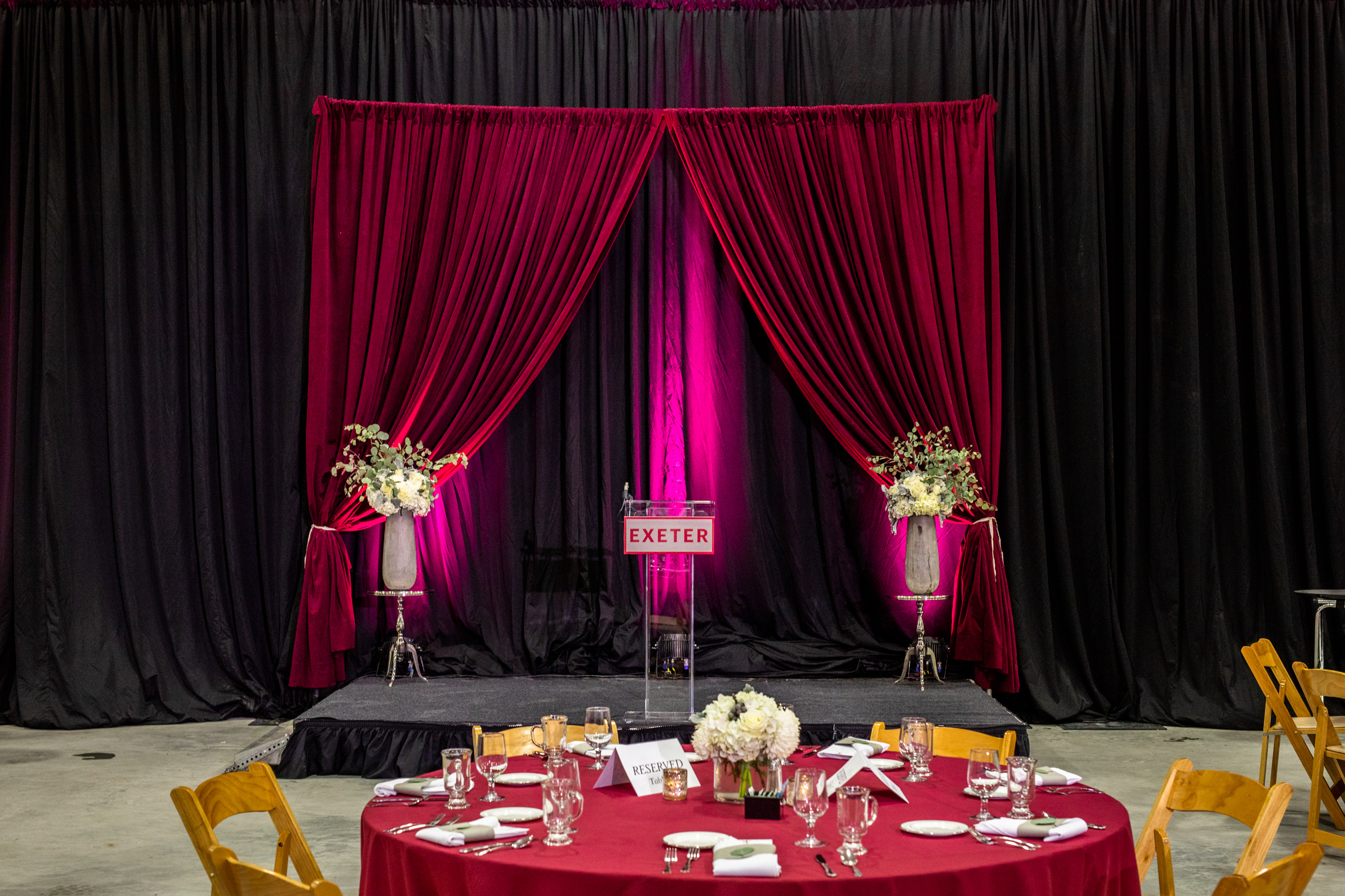Corporate_Production_Phillips_Exeter_Academy_Pizzuti_Awards_Dinner_stage_floral_design