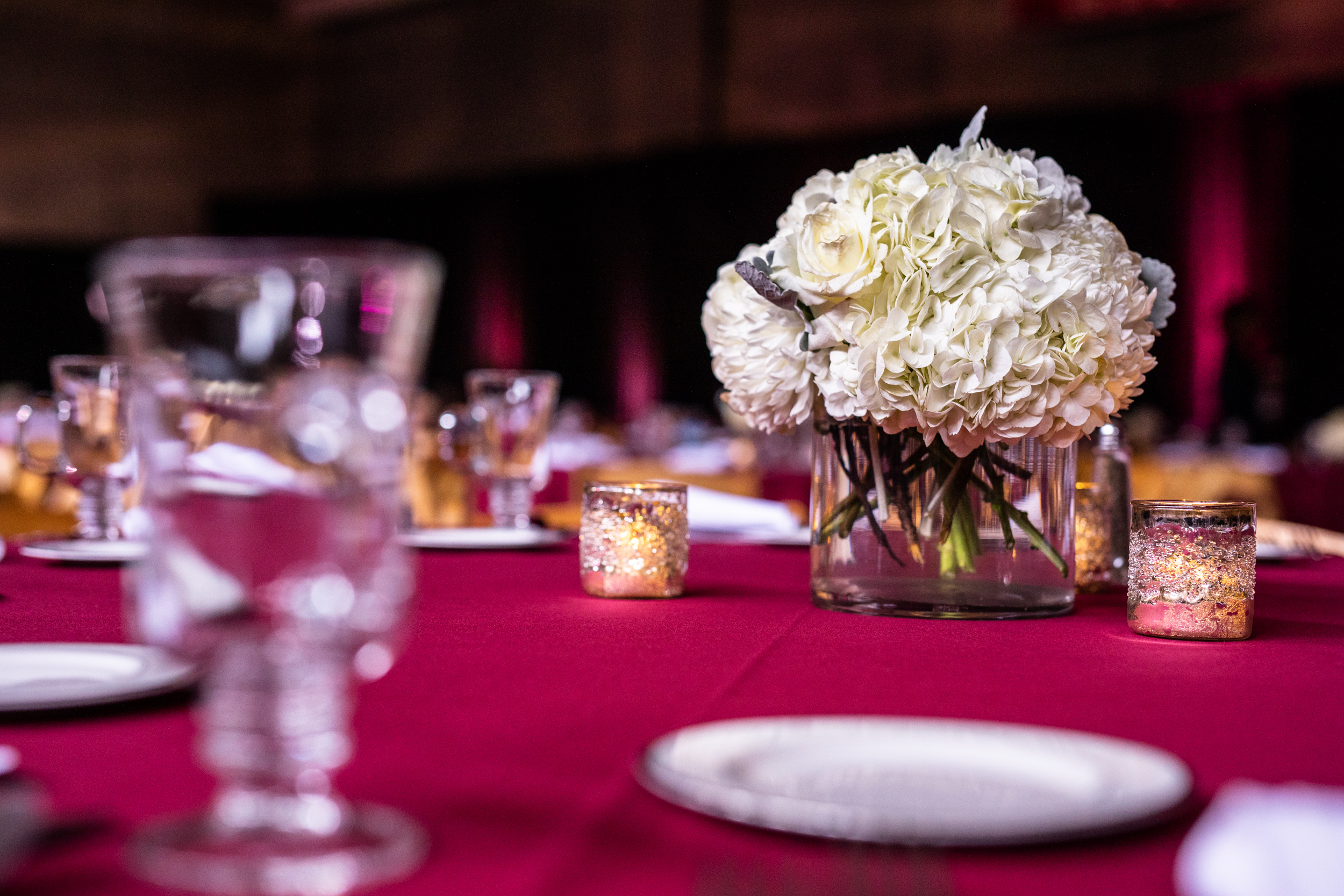 Corporate_Production_Phillips_Exeter_Academy_Pizzuti_Awards_Dinner_floral_arrangement