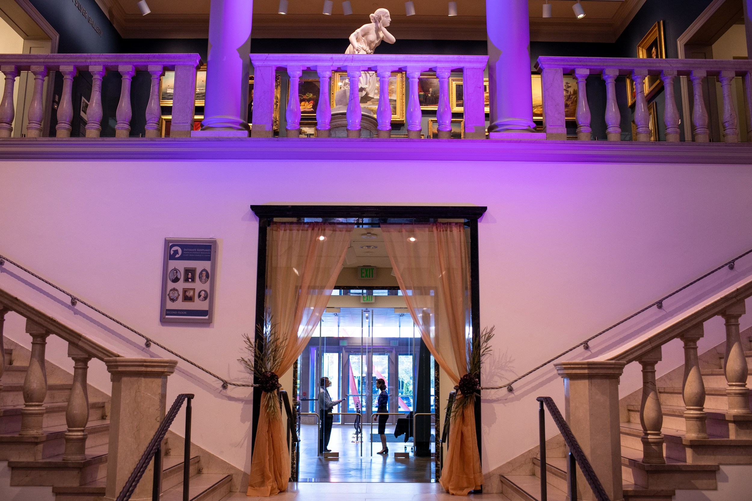 Masquerade_Ball_Currier_Museum_Manchester_Malloy_Events_lighting