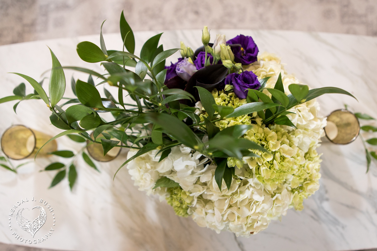 Malloy_Events_Currier_Museum_Black_White_Gala_Kendal_Bush_Manchester_Masonic_Temple_floral_arrangement