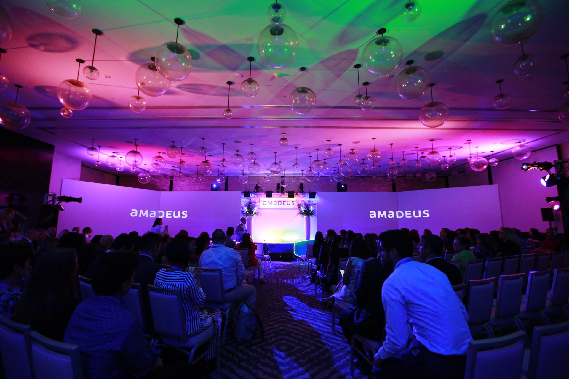 Amadeus_Miami_Florida_Brian_Adams_Malloy_Events_Corporate_Production_stage_lighting