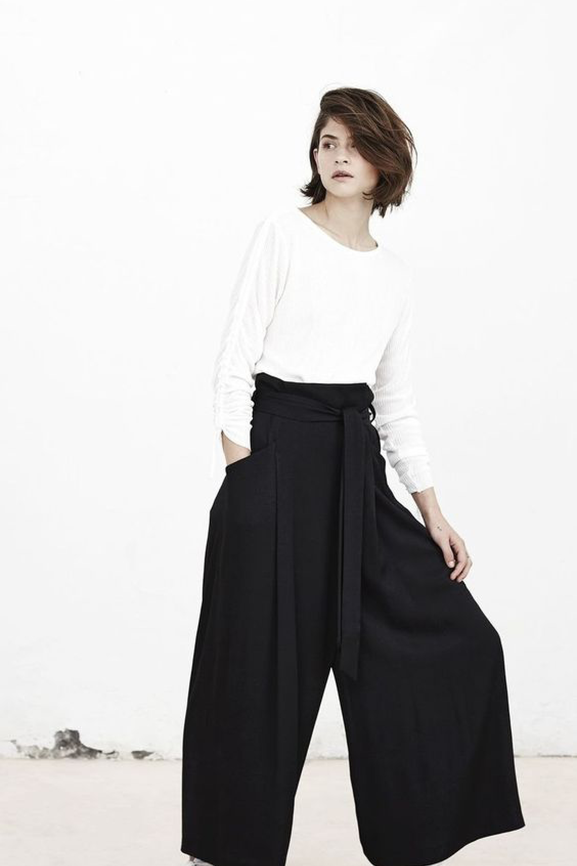Image via Pinterest  White top & black palazzo pants // Mango Spring 2015