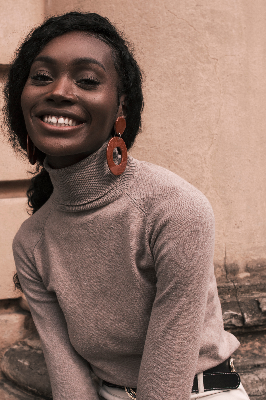 Top: Stylist Own from Zara Bottoms: Stylist Own Belt: Stylist Own Earrings: Circle Earrings from  The Jeryco Store