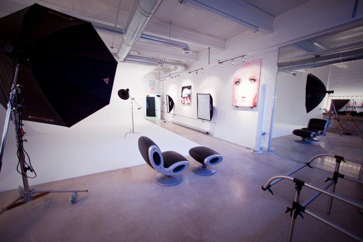Photo Studio Rental - Comes fully equipped with all the bells and whistles, ready to be rented for all types of projects. Just minutes away from Miami Beach, the Studio is the ideal and central location.