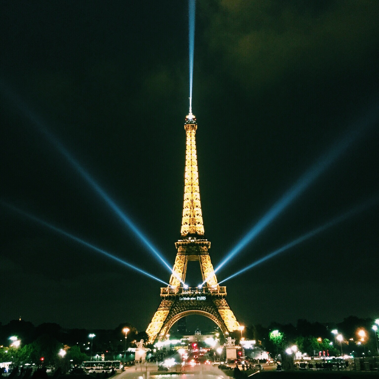 The Eiffel Tower looking absolutely stunning at night.