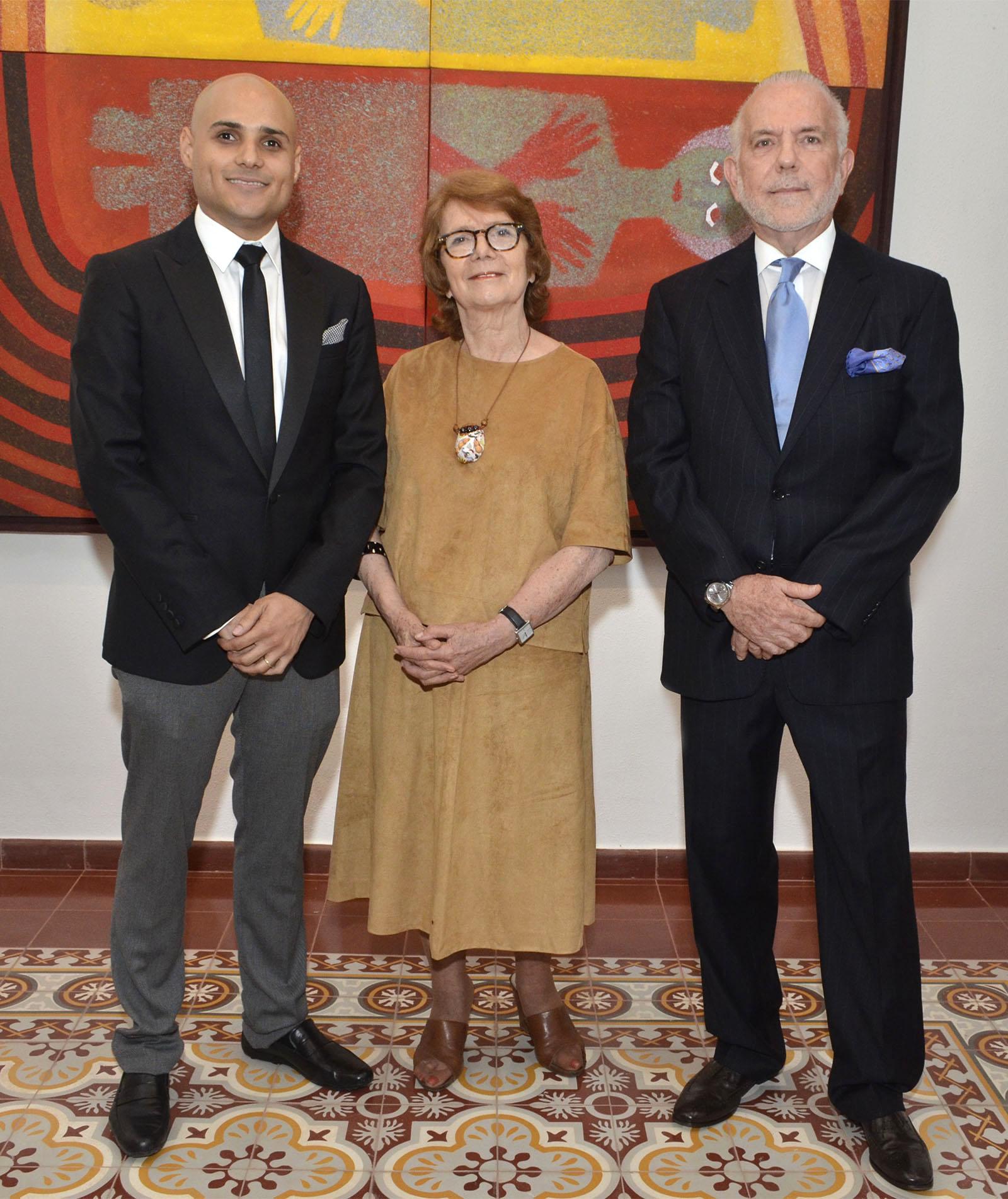 Fotografia Principal Alex Martínez Suárez, Marianne de Tolentino y George Manuel Hazoury Peña.jpg