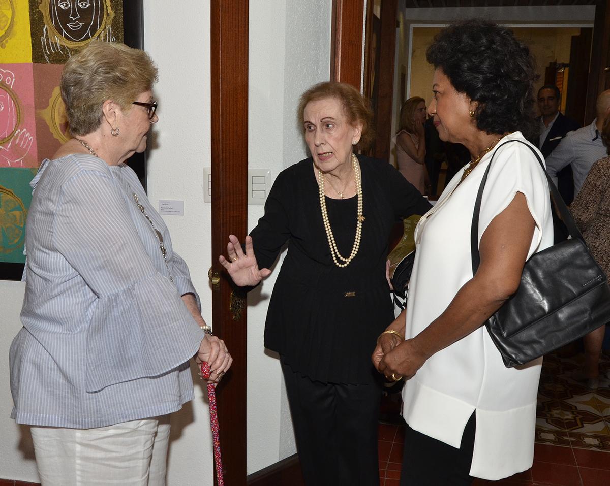 Foto 11 Damaris Defilló, Elsa de Hazoury y Asunción de Defilló.JPG