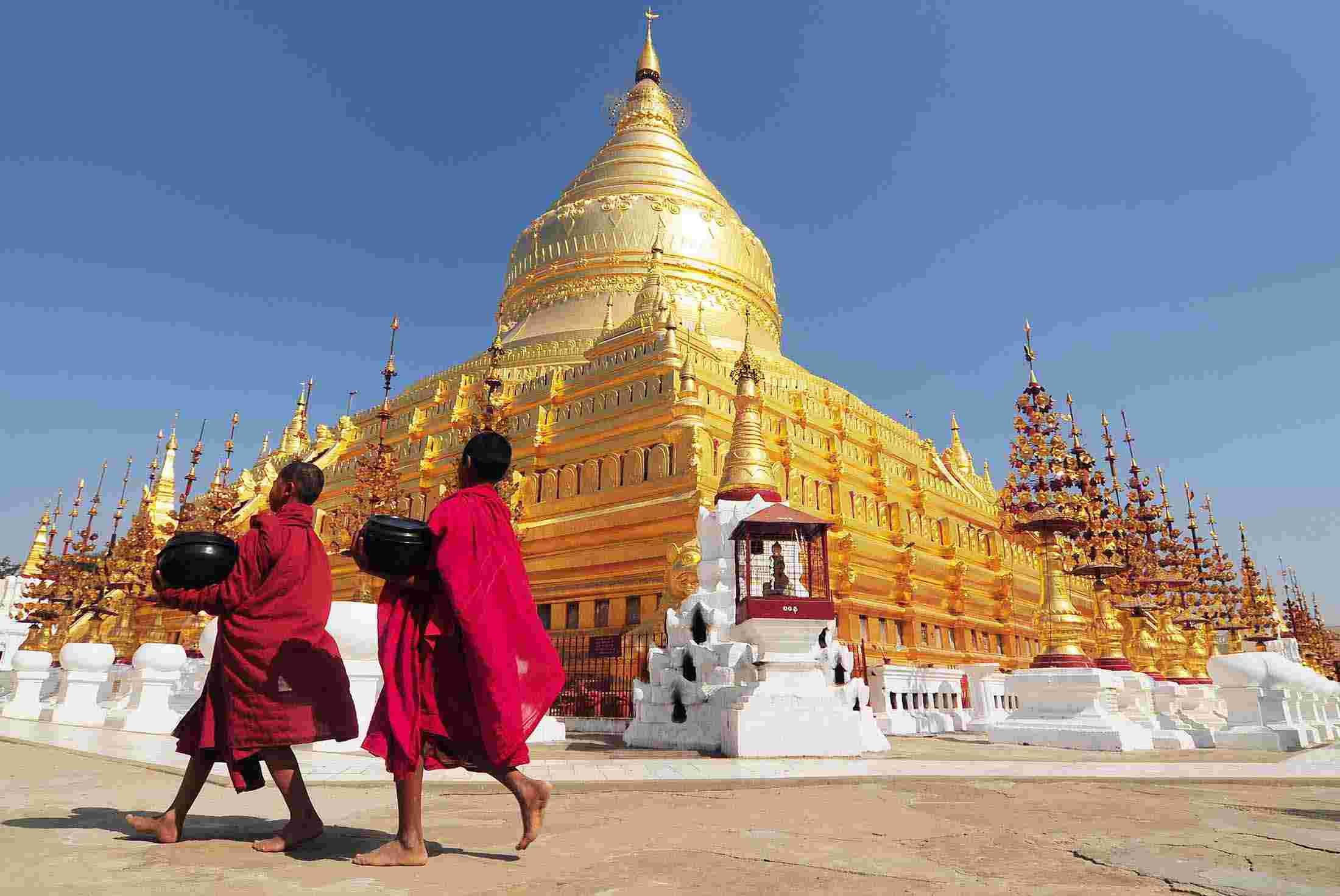 myanmar_burma_bapan_temple_monks_0.jpg