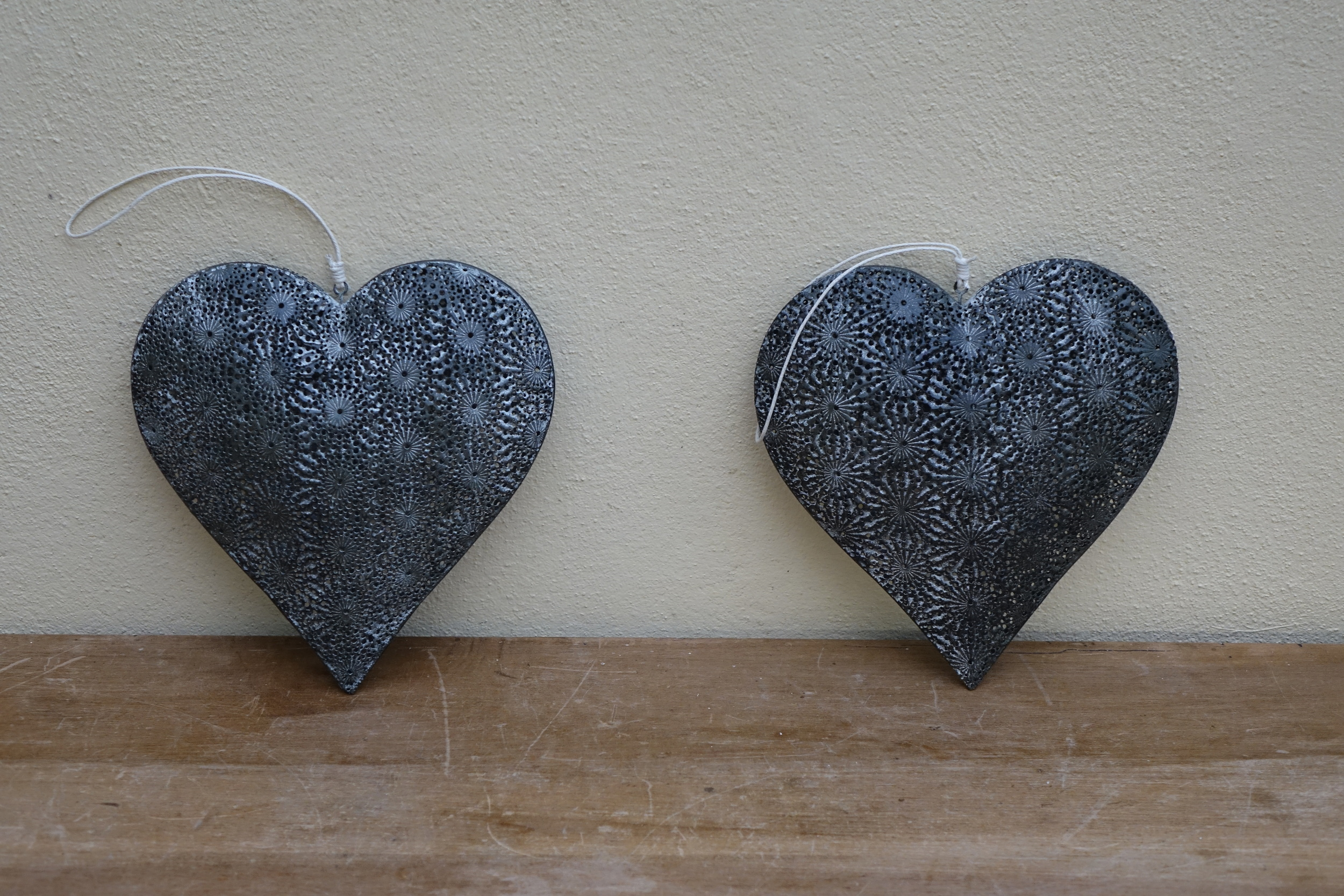 Large Metal Daisy Heart £2