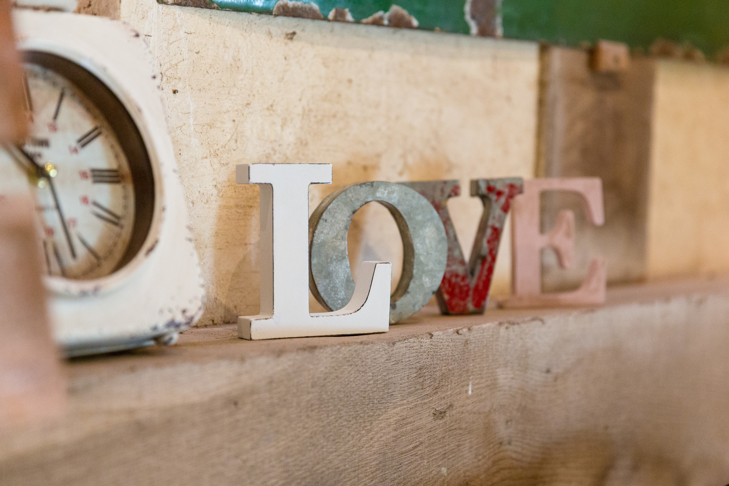 Small LOVE sign £2