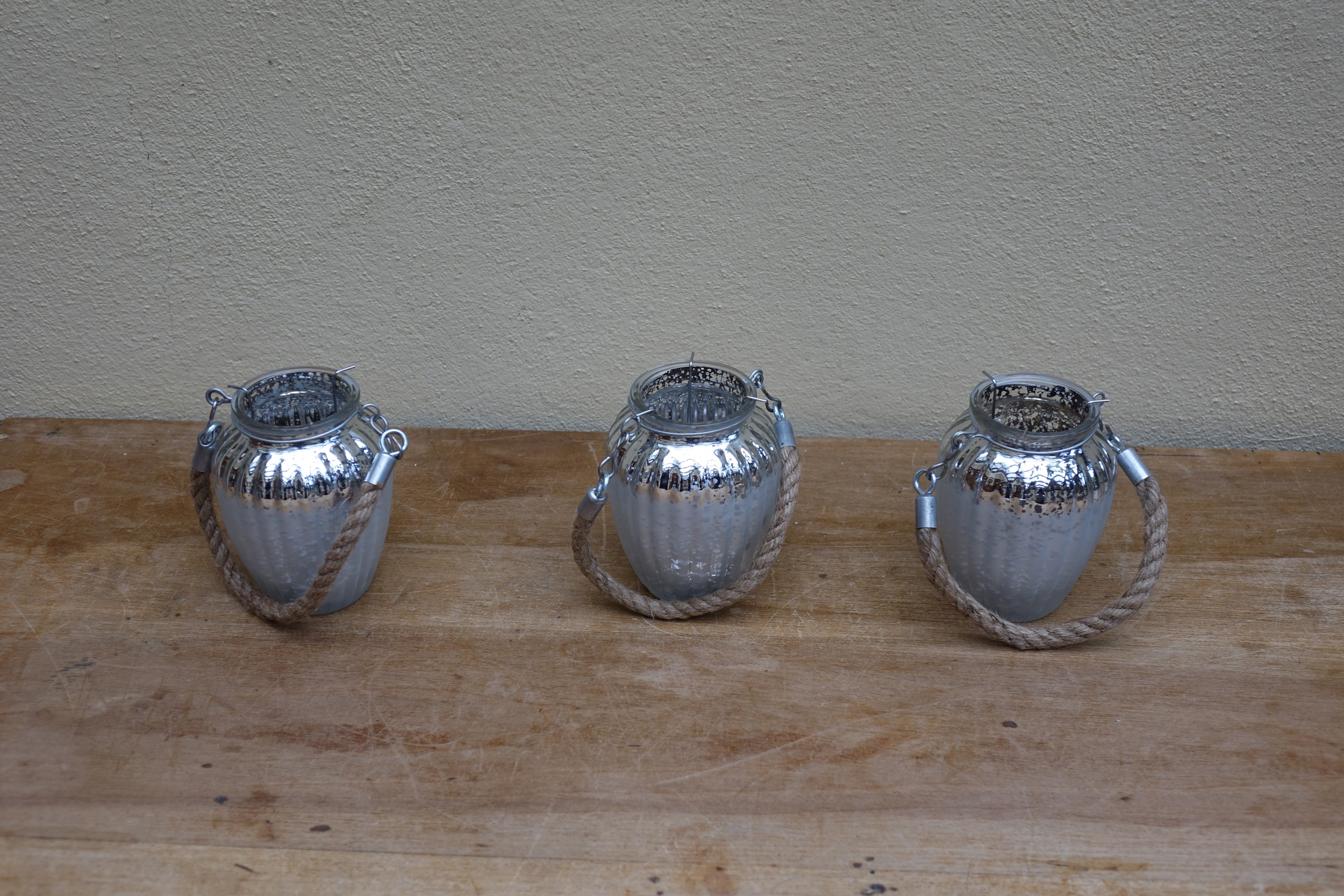 Mercury Vases with Rope Handle £1.50