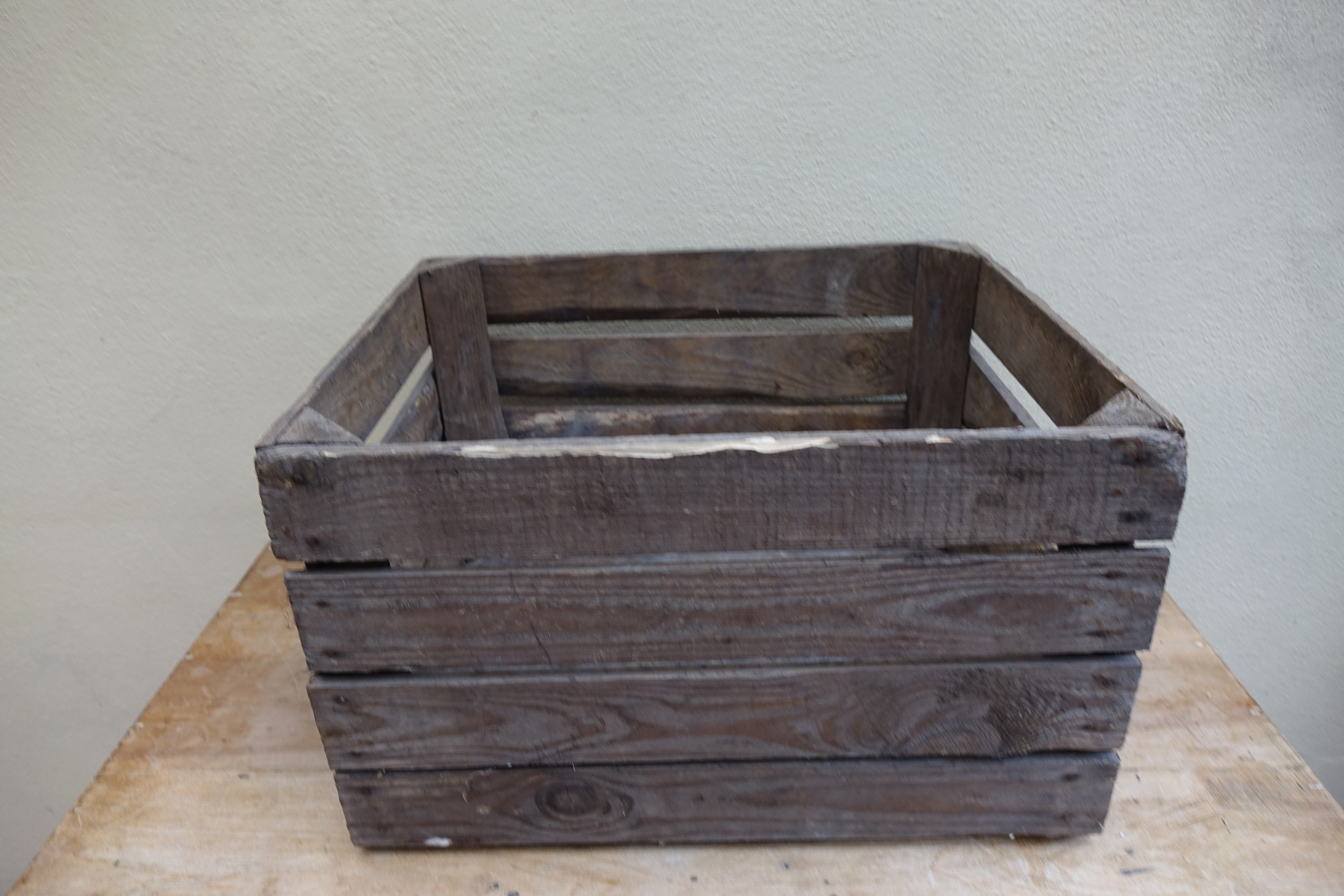 Apple crate - £4