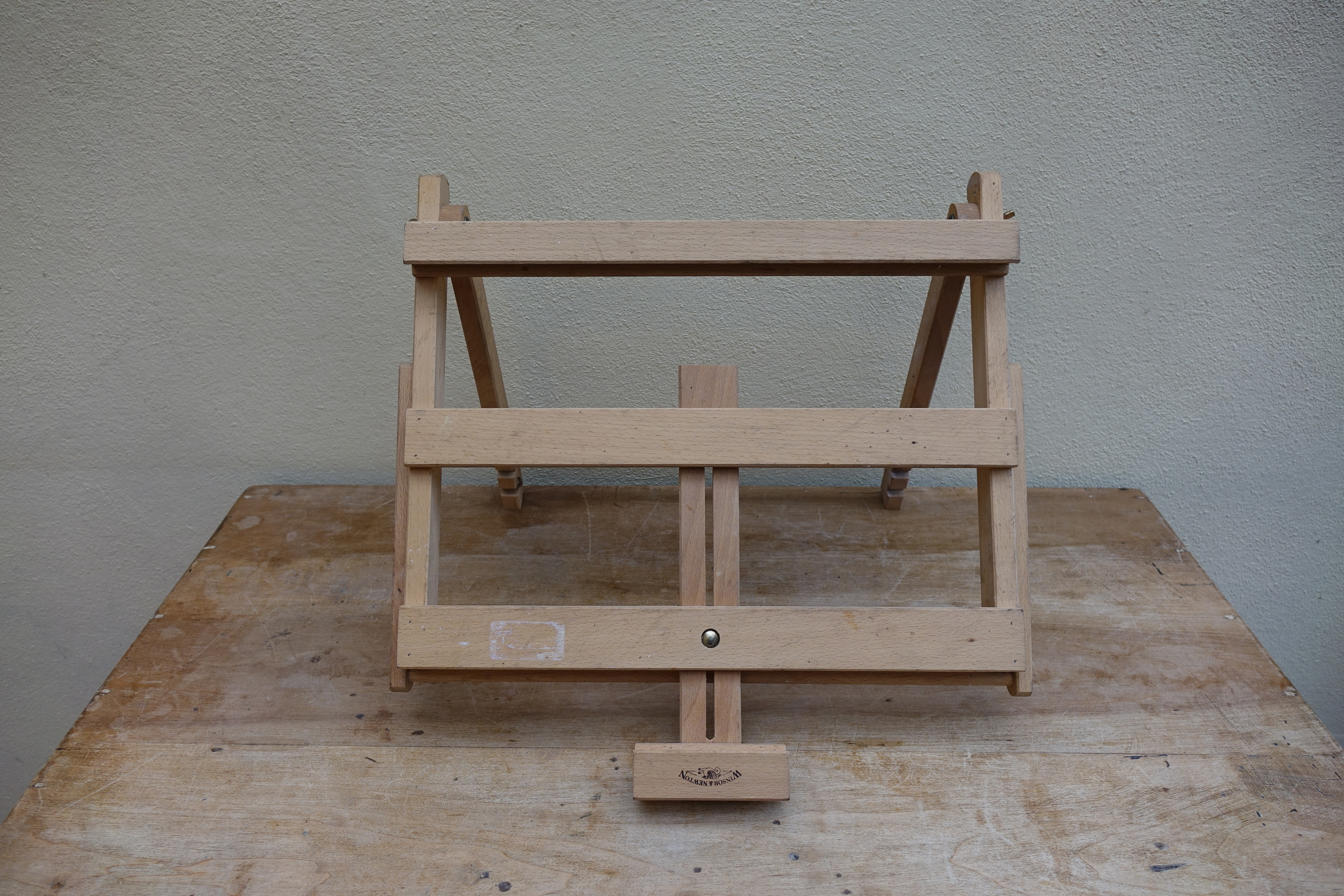 Table top easel - £4