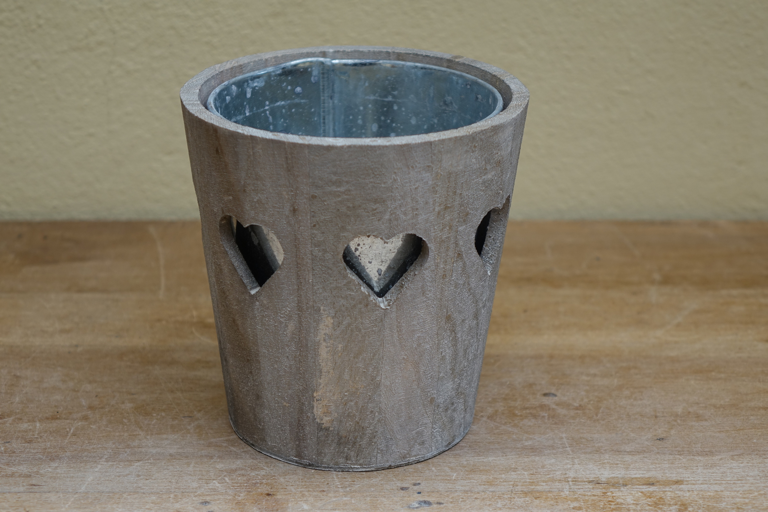 Large Wooden Heart Flower Pot £3