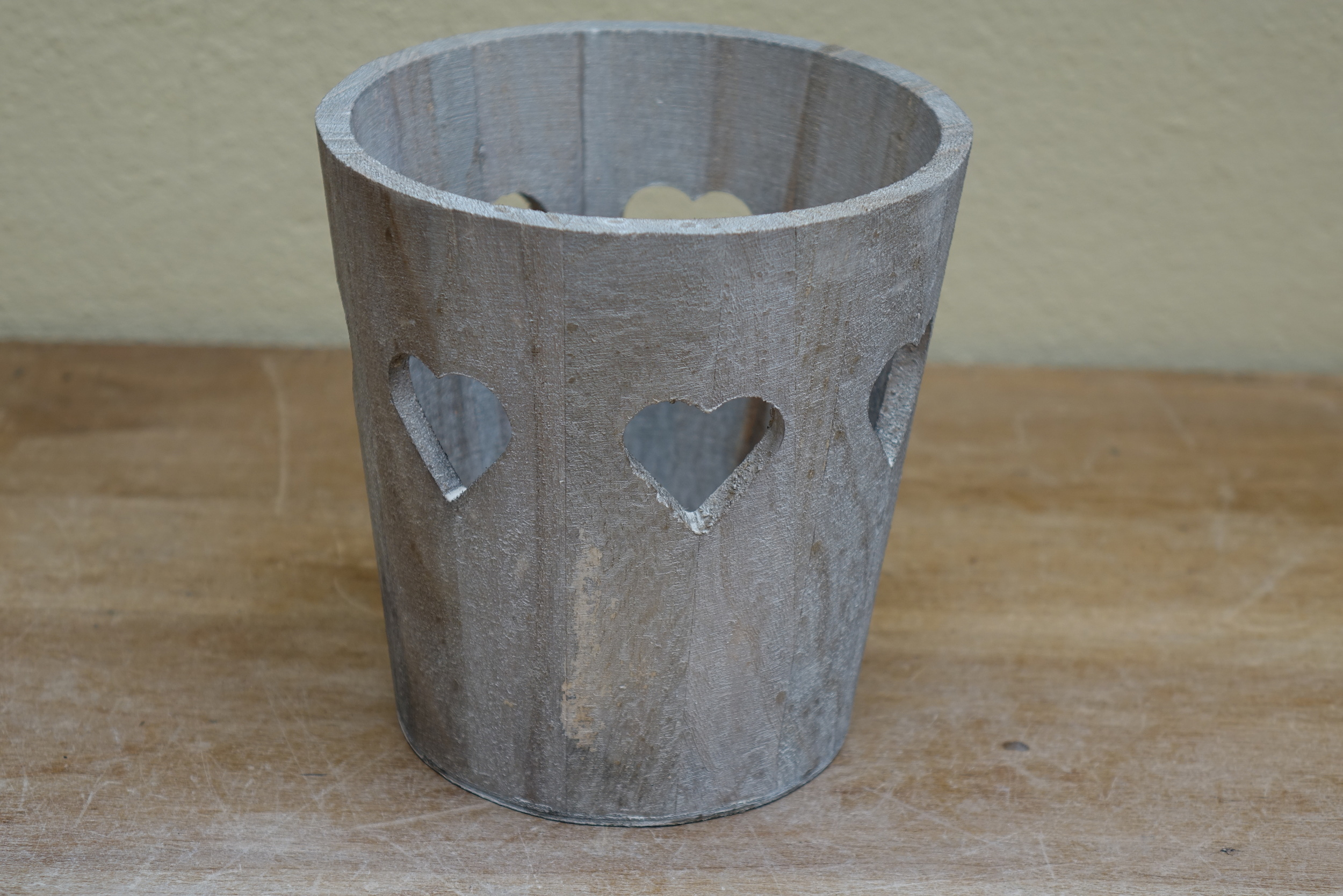 Large Wooden Heaart Candle Holder £3