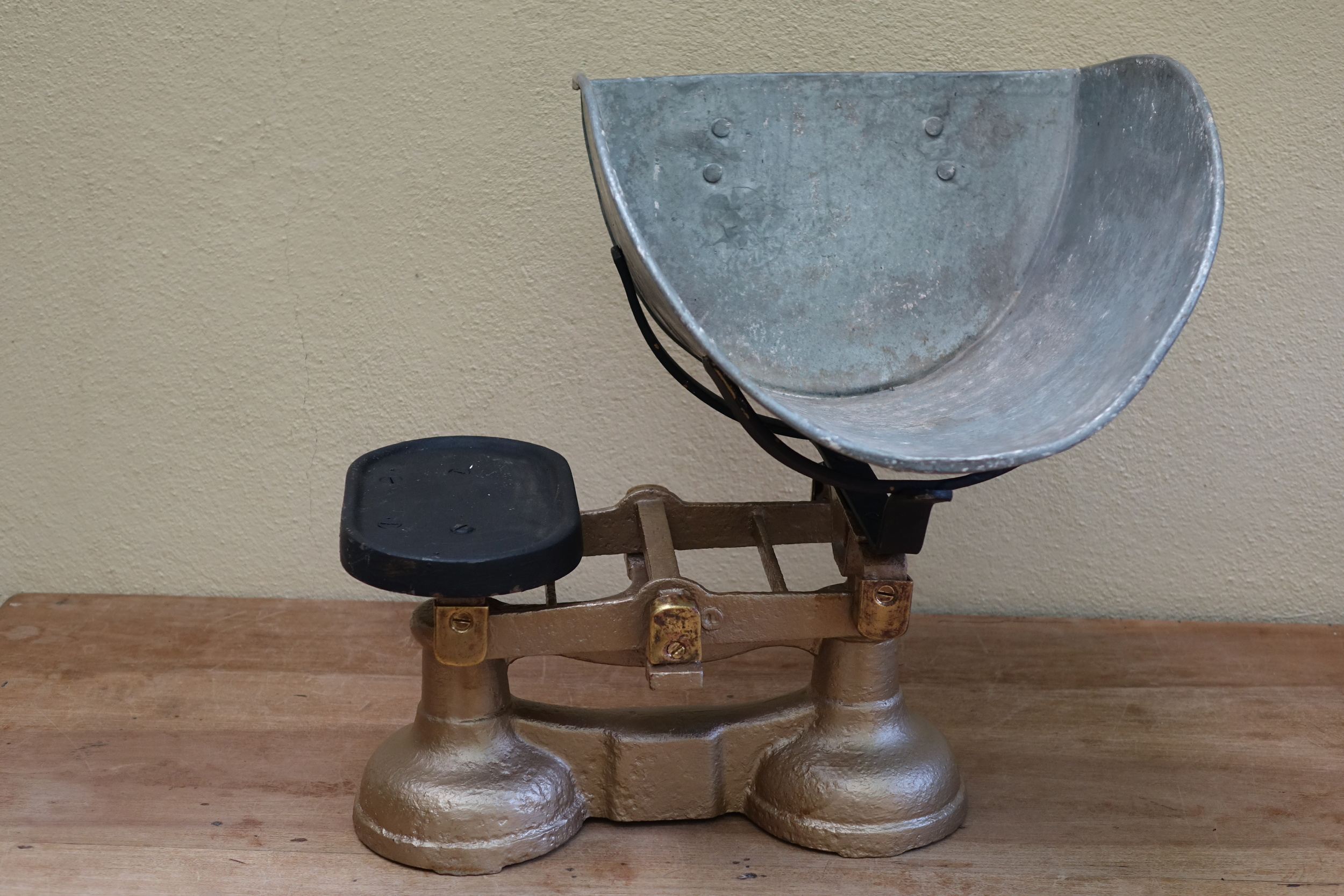 Vintage Grocers Potato Scales £5