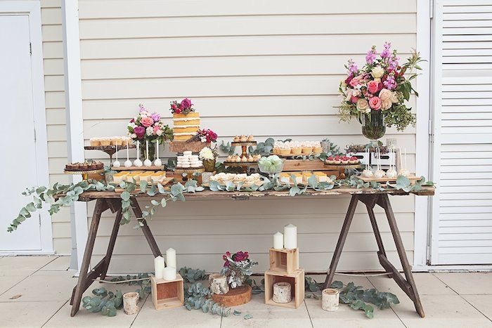 Buffet & Food Tables