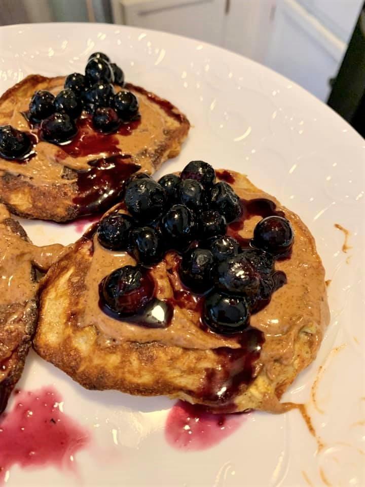 "Healthy ""PB & J"" Pancakes"