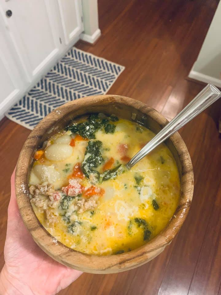 Zuppa Toscana (Creamy Gnocchi Soup with Sausage and Kale)