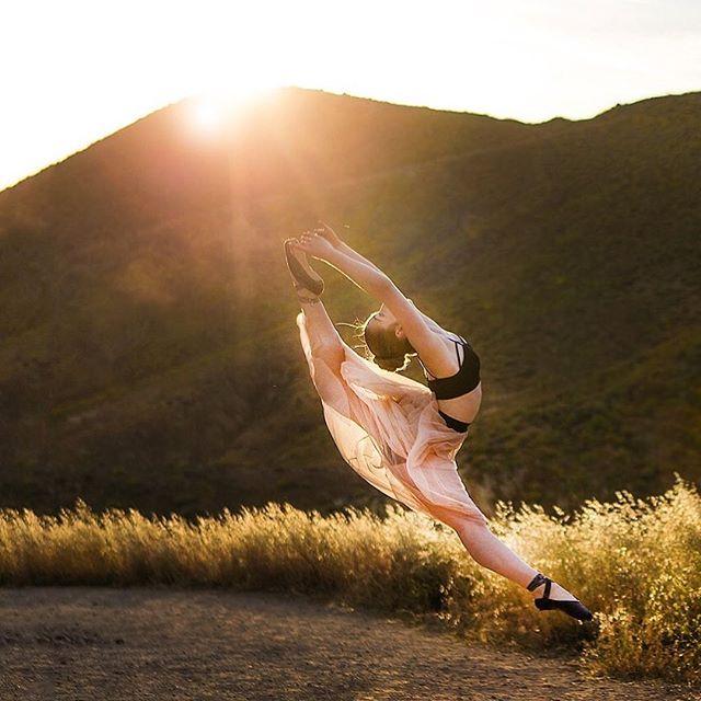 Breath in the moments . . . . . . . . . . . . . . #ballerina #ballet #pointe #dance #dancers #pointeshoes #balletlife #balletphotography #tutu #balletdancer #balletfeet #balletstyle #instaballet #workout #flexible #dancer #worldwideballet #photooftheday  @russianpointebrand  #balletbeautifulgirls #dancelovedance #balletaddiction #balletdesire @ballerina.nation #ballerinaplans #instadance #move #bend #love #beautiful #colorful #sunset @gaynorminden