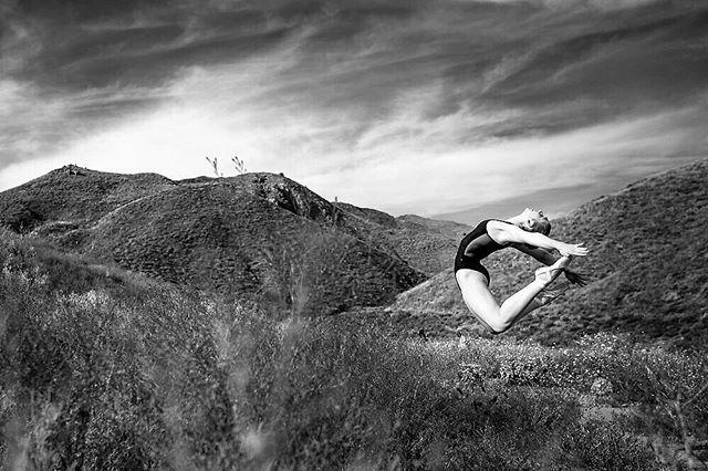 Weekend vibes . . . . . . . . . . . . . . . #ballerina #ballet #pointe #dance #dancers #pointeshoes #balletlife #balletphotography #tutu #balletdancer #balletfeet #balletstyle #instaballet #workout #flexible #dancer #worldwideballet #photooftheday #thepointeshop @thepointeshop @russianpointebrand @discountdance #balletbeautifulgirls #dancelovedance  #balletdesire #ballerinaplans #instadance #move #bend #love #beautiful #bnw #blackandwhite