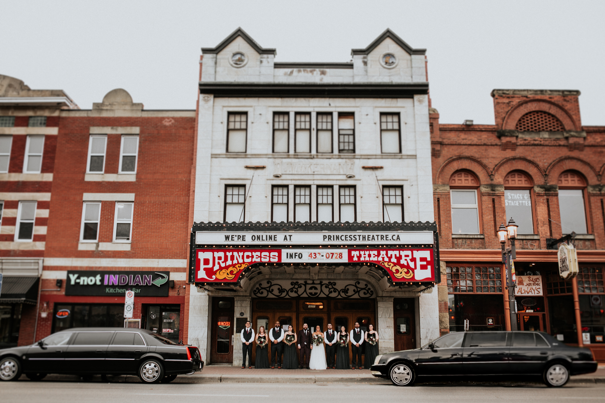 Best_Edmonton_Wedding_Photographers_Princess_Theatre_Wedding_Carlos_Vicente