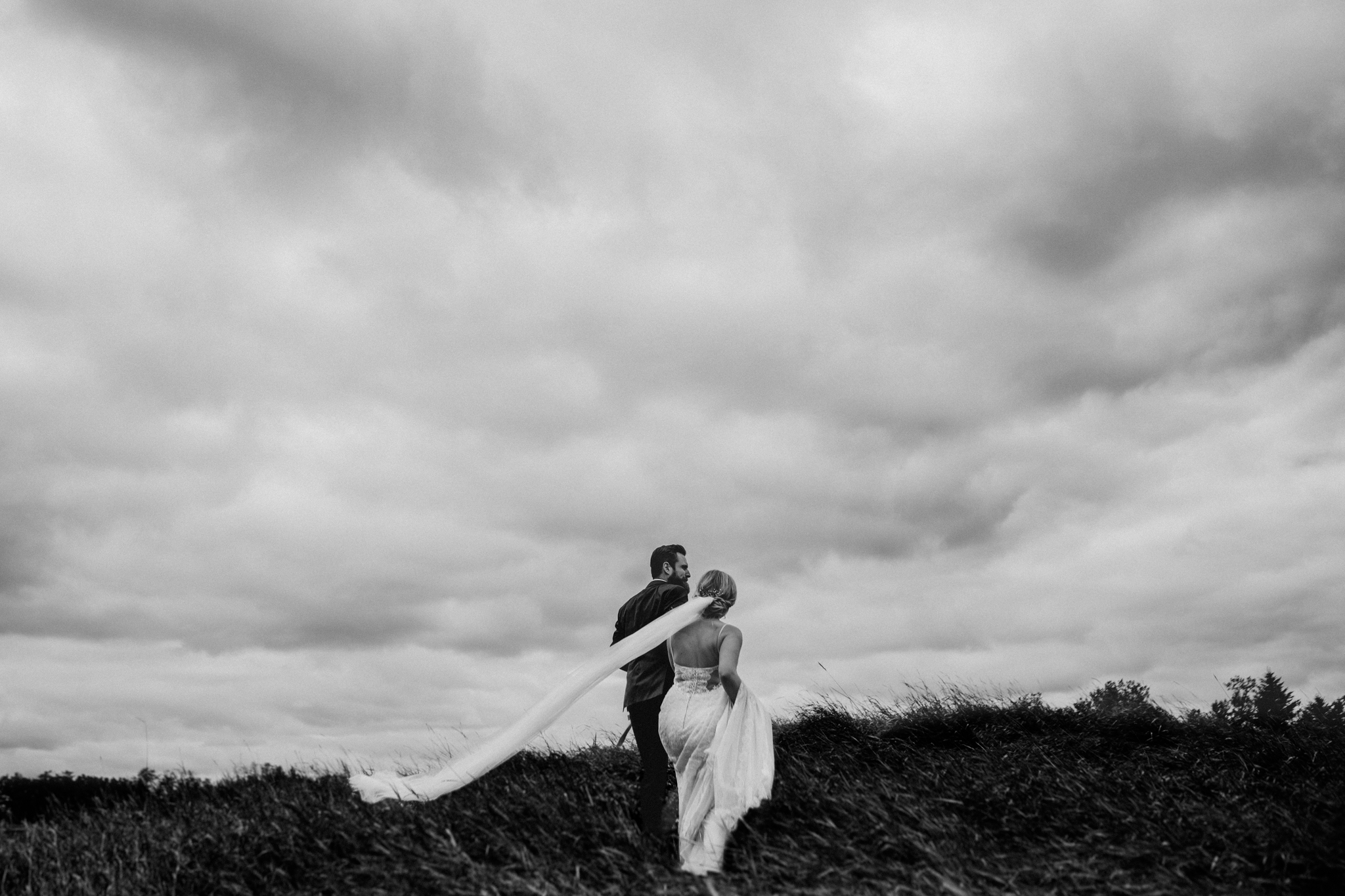 Best_Edmonton_Wedding_Photographers_Carlos_Vicente_Emily_Schutz-4.jpg