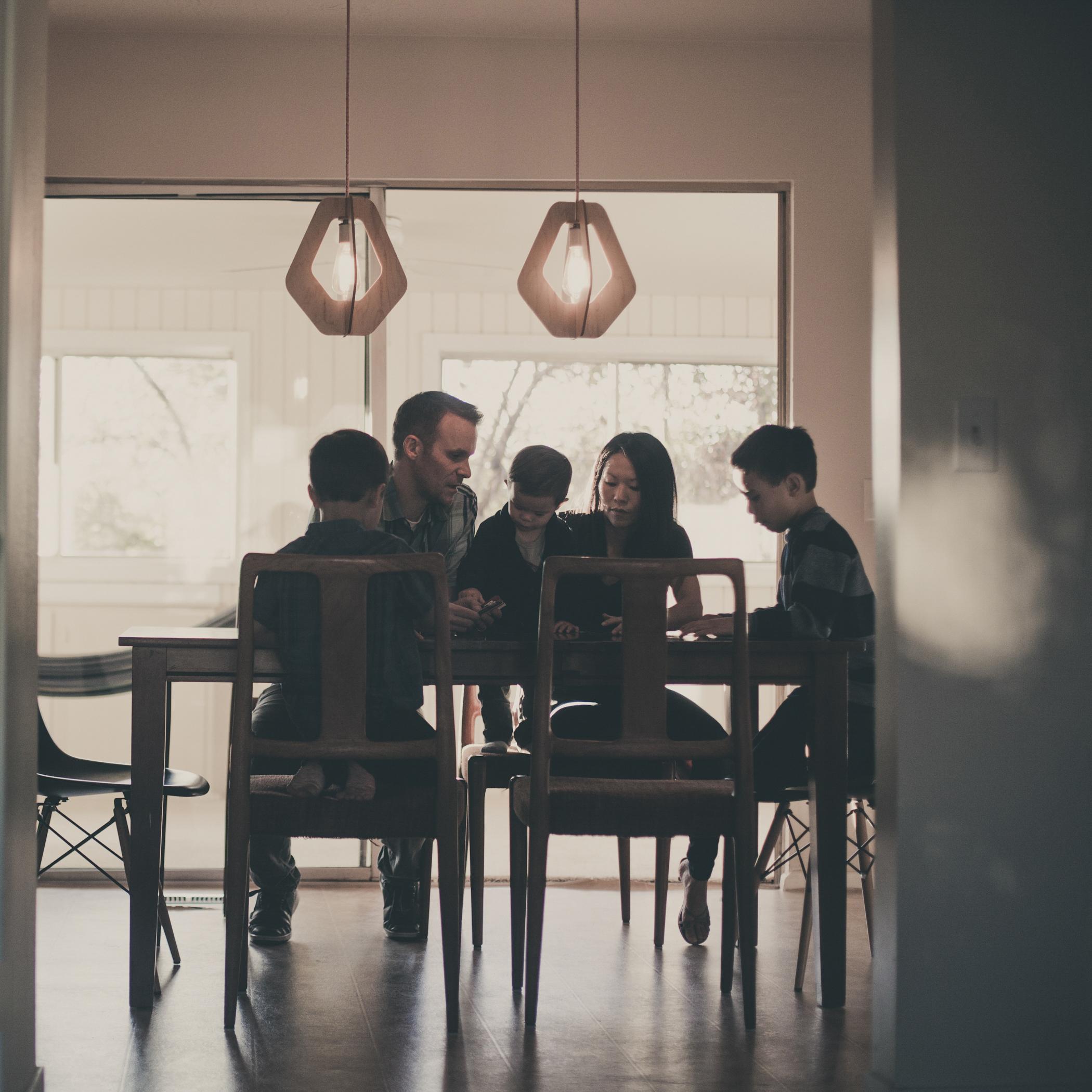 © duston-todd-lifestyle-family-dinner-table.jpg