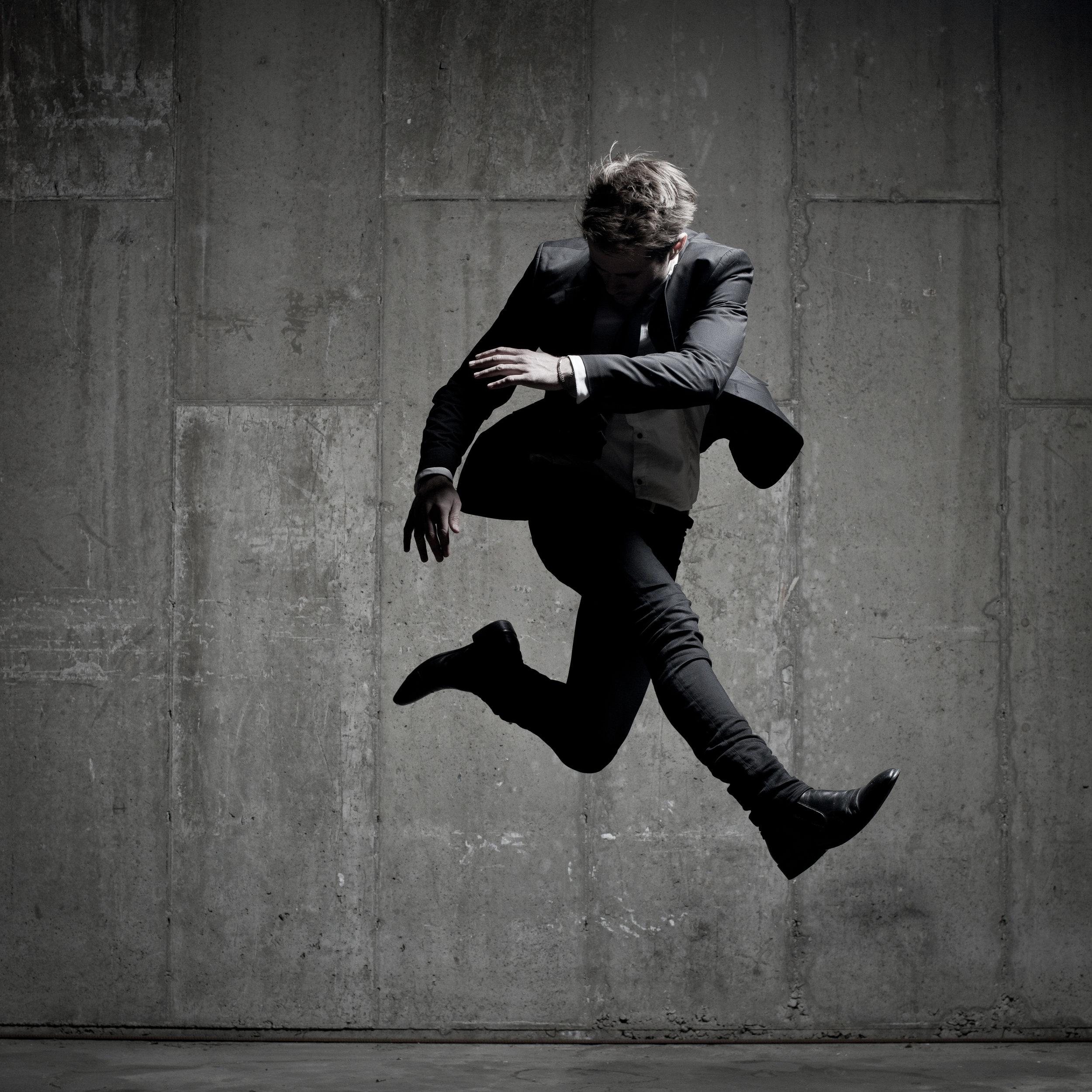 © duston-todd-mens-fashion-jumping-portrait.jpg